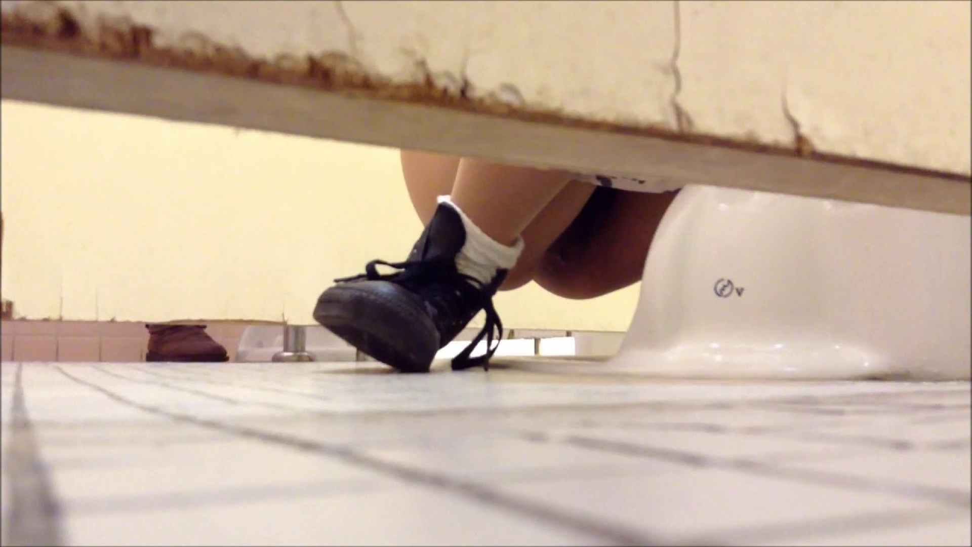 某有名大学女性洗面所 vol.01 和式 すけべAV動画紹介 80pic 40