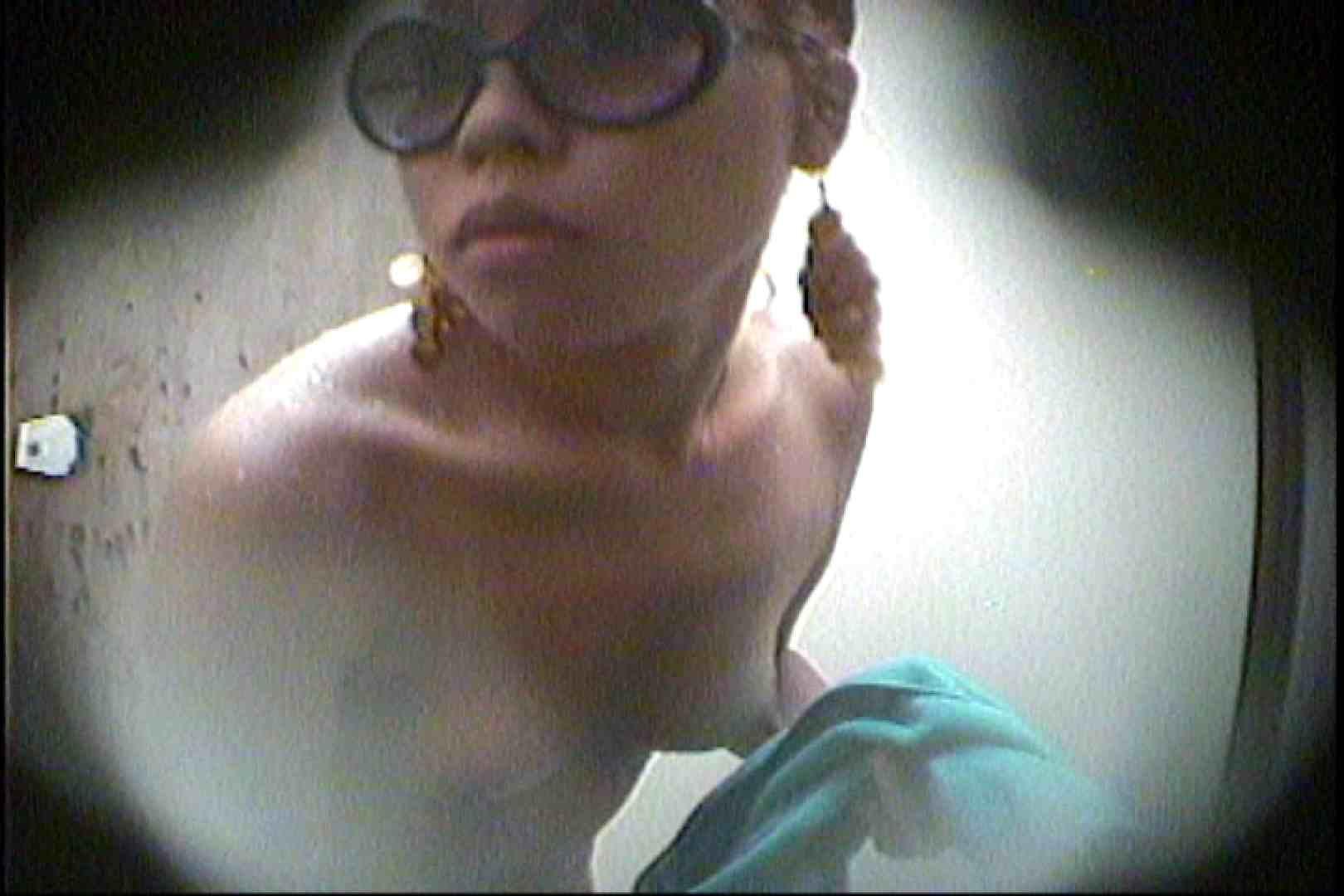 海の家の更衣室 Vol.29 美女 のぞき濡れ場動画紹介 58pic 23