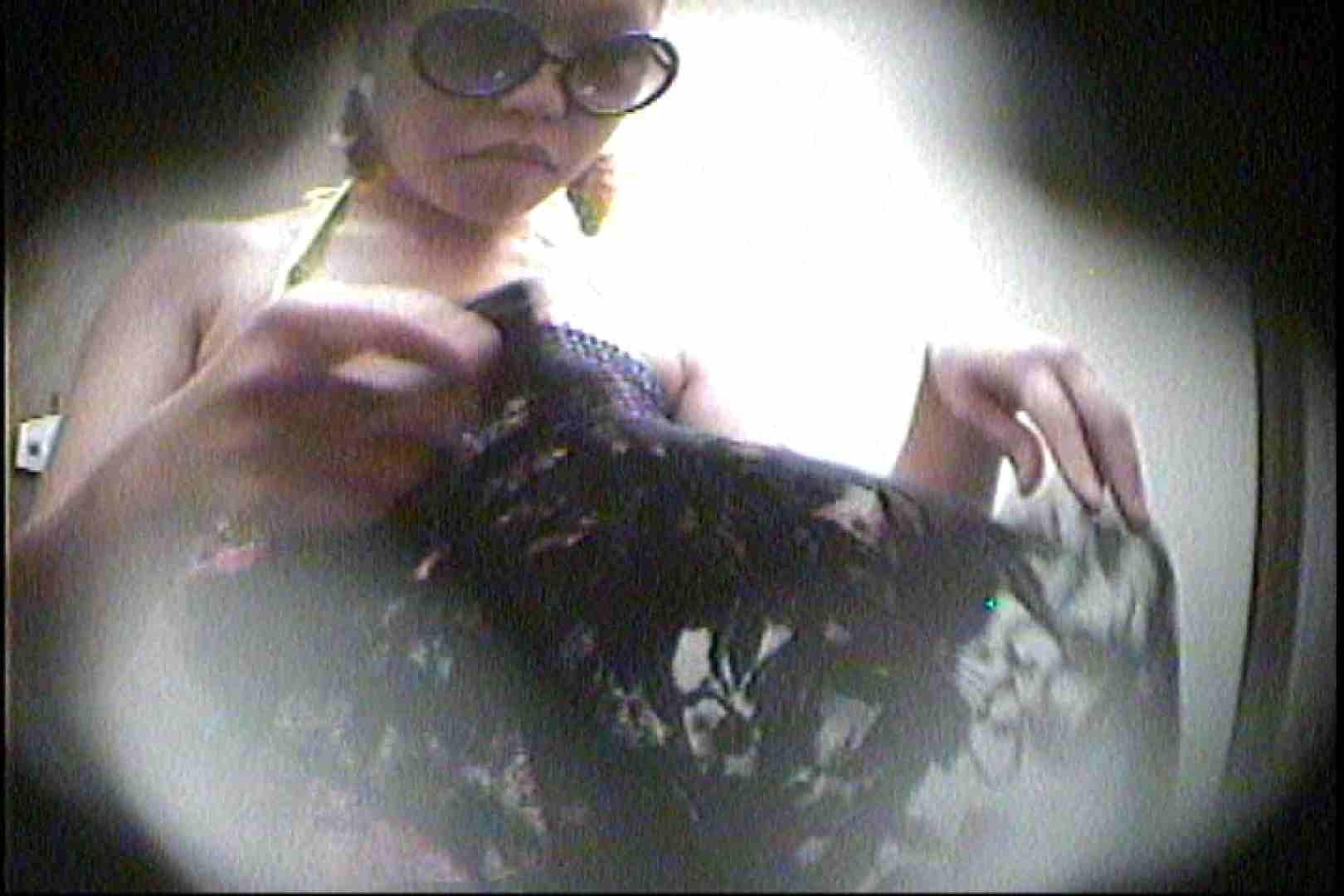 海の家の更衣室 Vol.29 美女 のぞき濡れ場動画紹介 58pic 56