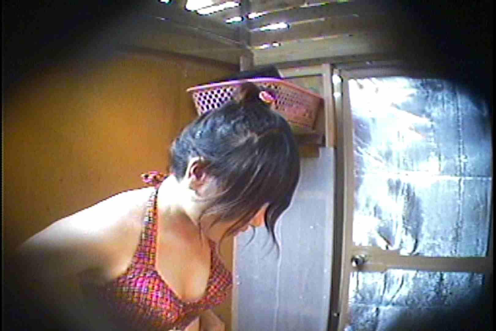 海の家の更衣室 Vol.37 シャワー のぞきおめこ無修正画像 43pic 2