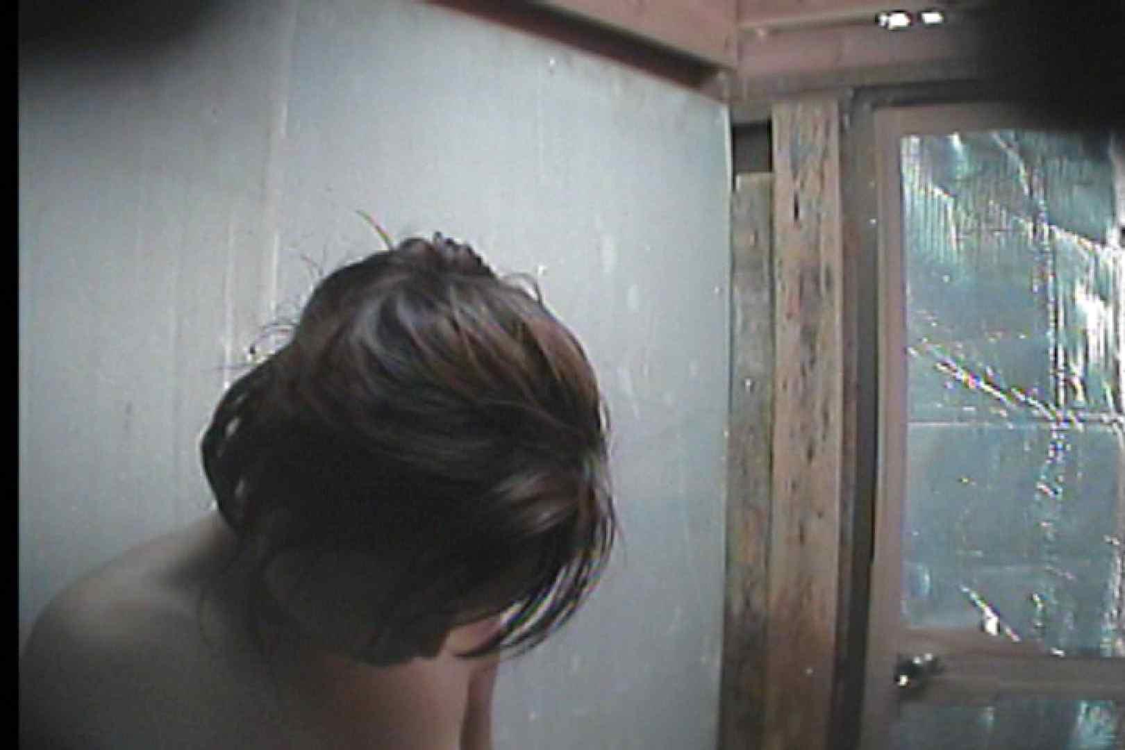 海の家の更衣室 Vol.55 シャワー  75pic 33