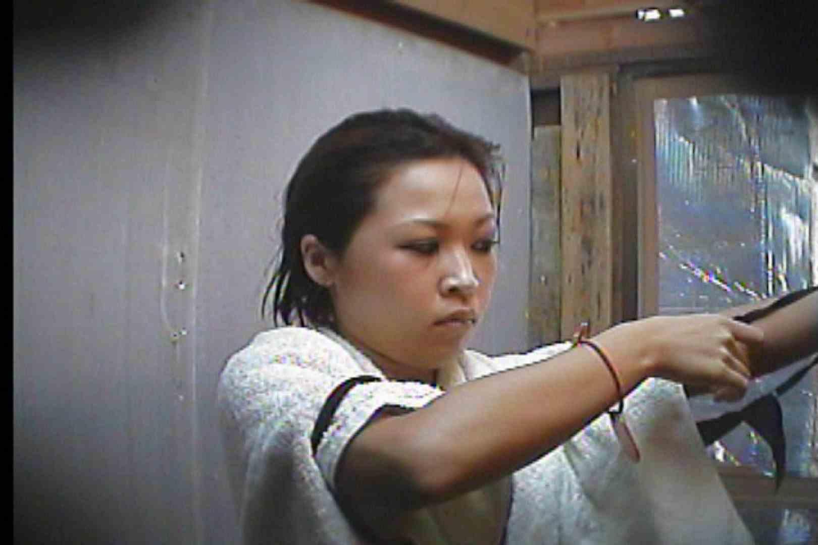 海の家の更衣室 Vol.55 OLの実態 盗撮ヌード画像 75pic 68