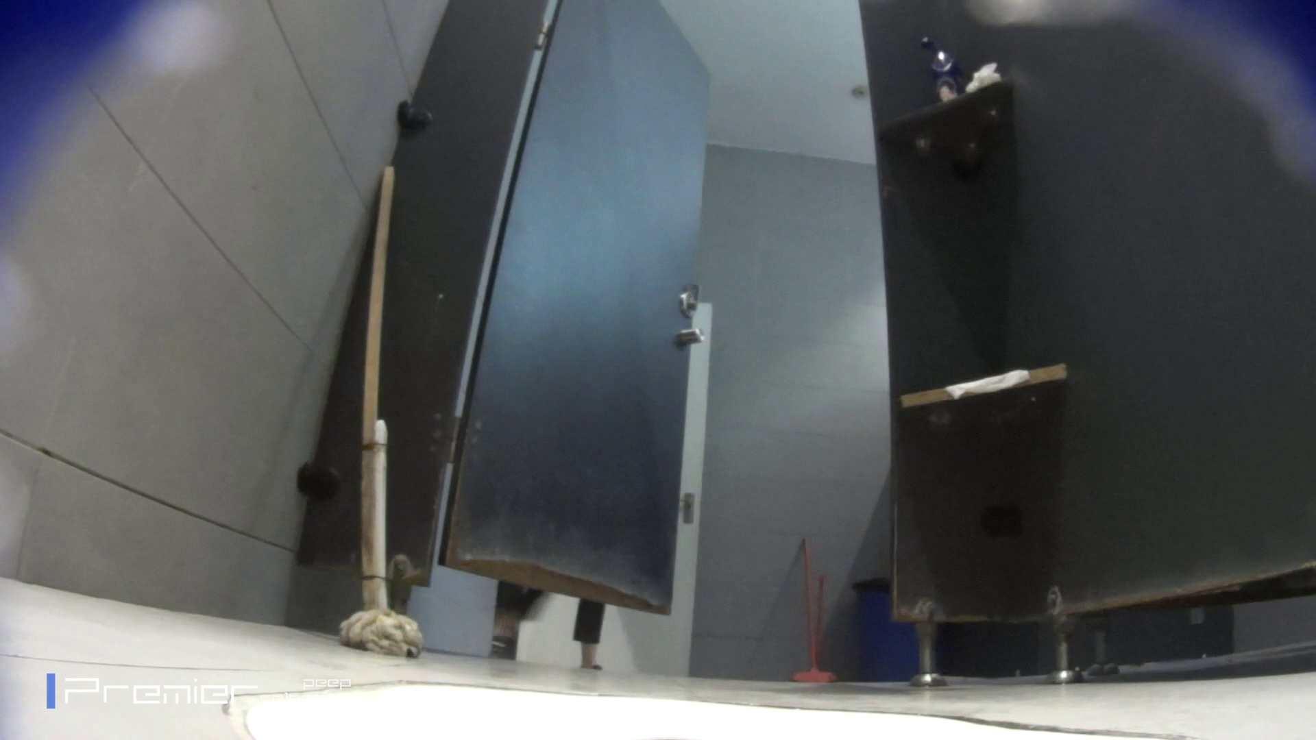 トイレットペーパーを握りしめ個室に入る乙女 大学休憩時間の洗面所事情83 盗撮 エロ画像 99pic 2