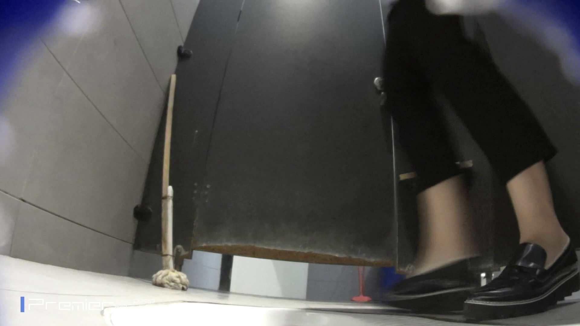 トイレットペーパーを握りしめ個室に入る乙女 大学休憩時間の洗面所事情83 洗面所 のぞきおめこ無修正画像 99pic 24
