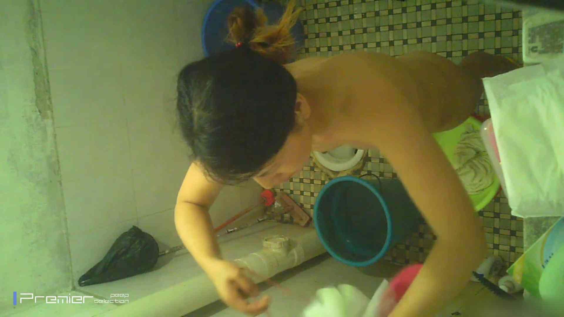 美女の痴態に密着!洗面所で入浴!  美女 のぞきおめこ無修正画像 78pic 25