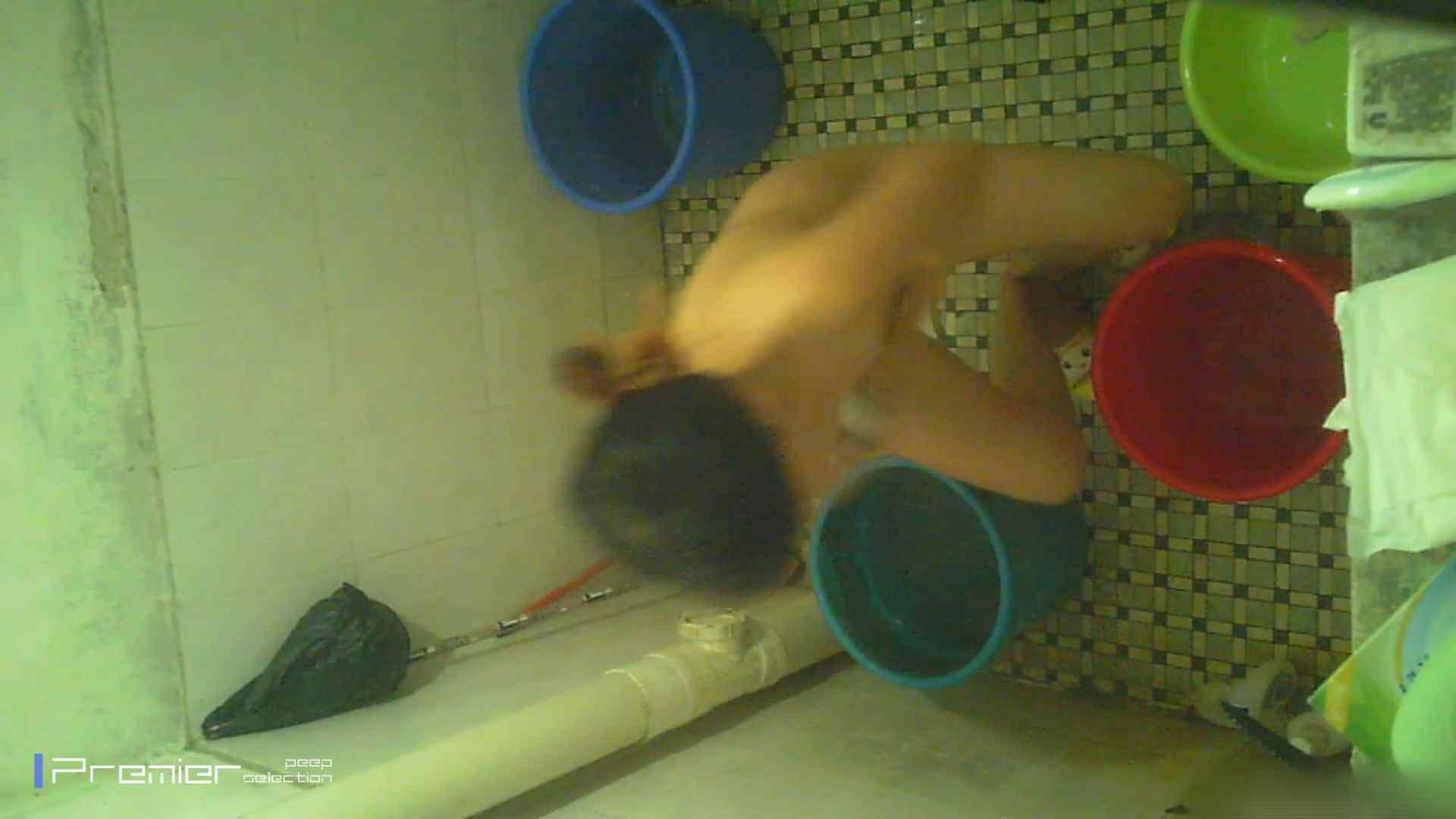 美女の痴態に密着!洗面所で入浴!  盗撮 スケベ動画紹介 78pic 44
