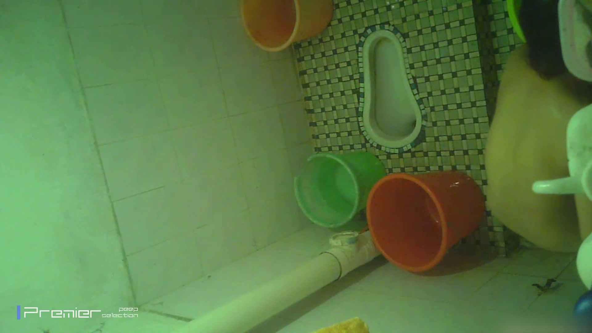 美女の痴態に密着!洗面所で体を洗う!絶世の美女 Vol.06 パンチラ放出  41pic 28