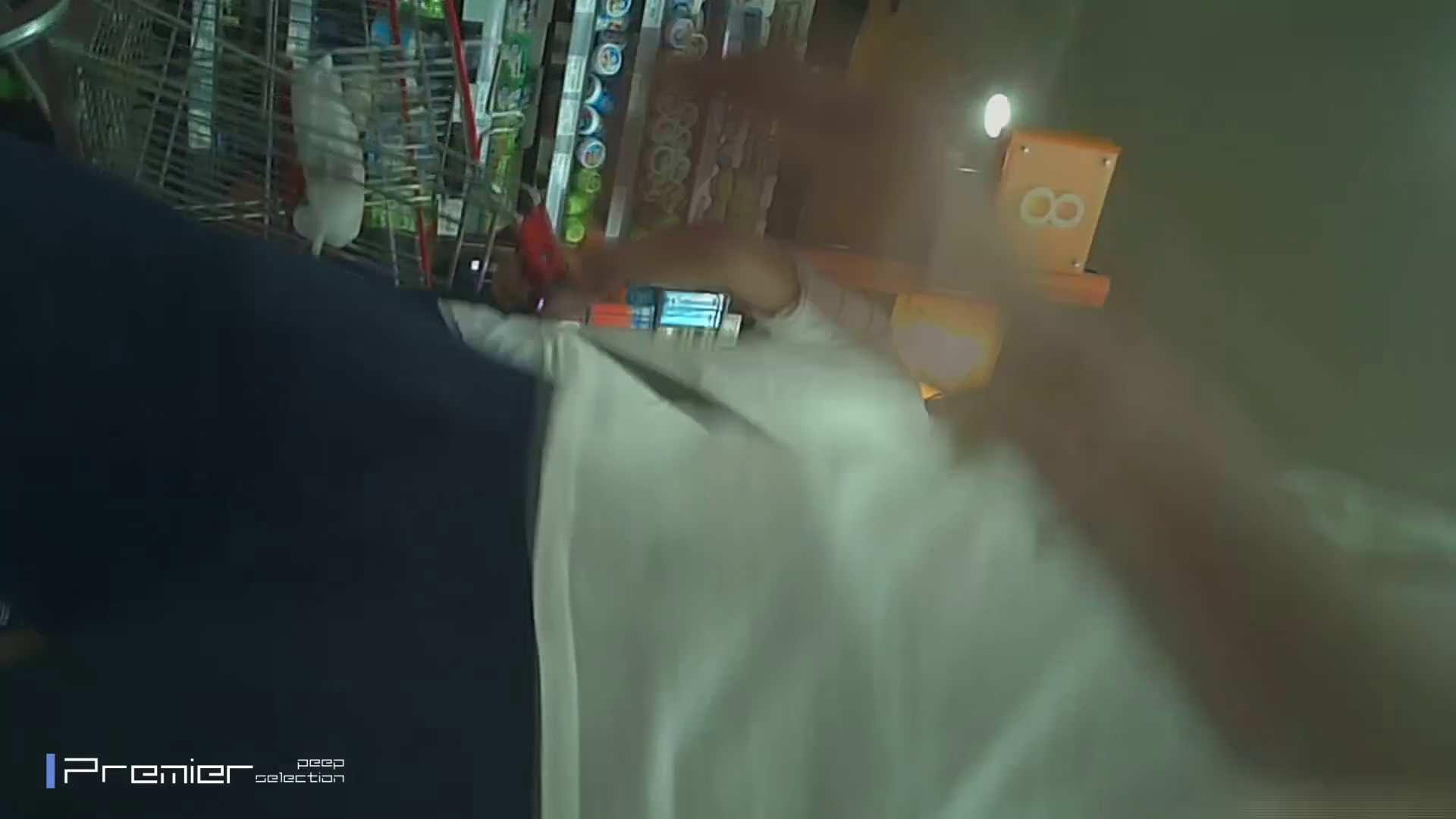 ギャルのパンチラ 美女の痴態に密着!Vol.15 盗撮 エロ無料画像 105pic 34