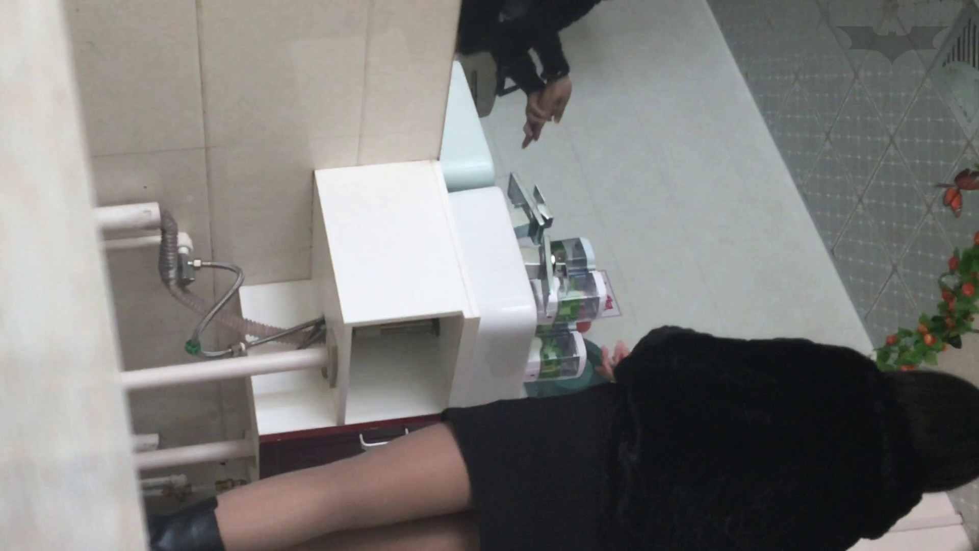 芸術大学ガチ潜入盗撮 JD盗撮 美女の洗面所の秘密 Vol.107 洗面所 のぞきおめこ無修正画像 28pic 4