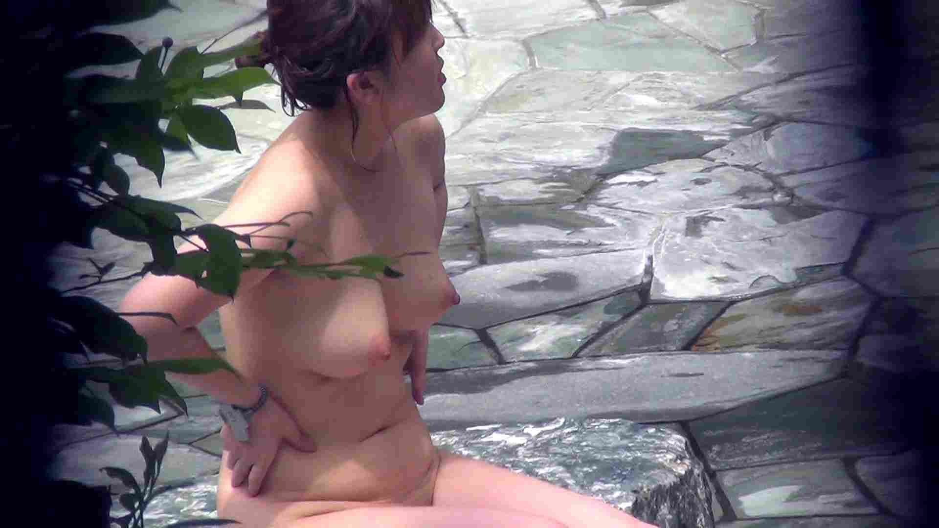 Vol.45 今度はshimaiでしょうか ムッチリ嬢の大胆開脚 潜伏露天風呂 盗撮アダルト動画キャプチャ 99pic 35