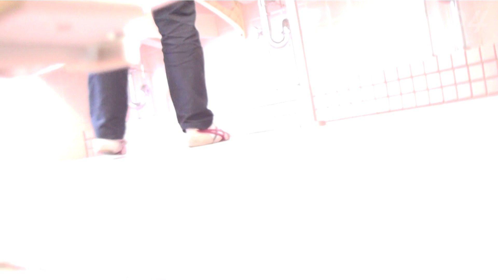 ※100個限定販売 至高下半身盗撮-プレミアム-【体育館編】VOL.4 体育館 | OLの実態  79pic 1