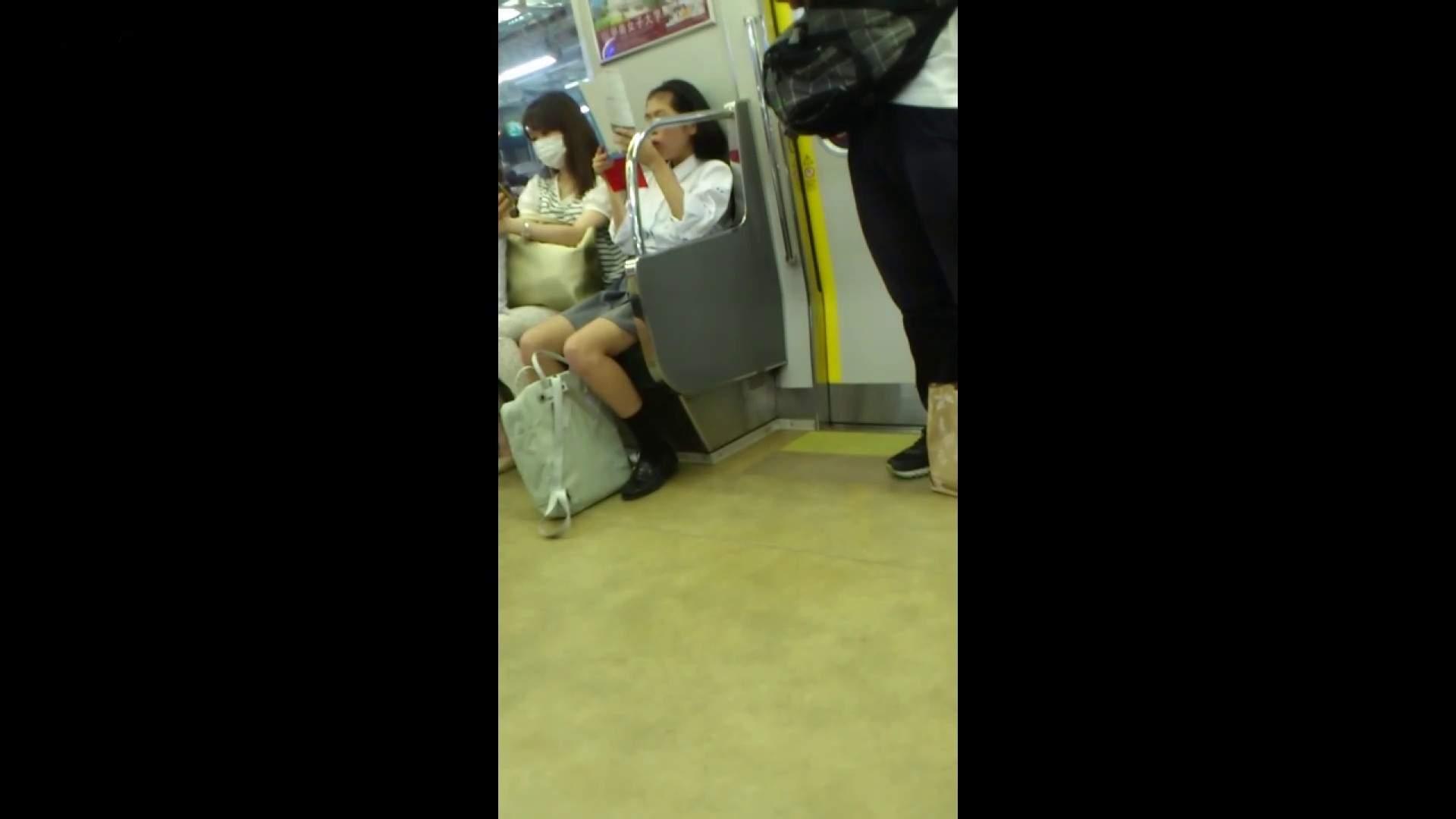 盗撮列車 vol.05 制月反のスカートの中が…見たいです。 期間限定 のぞきおめこ無修正画像 42pic 11