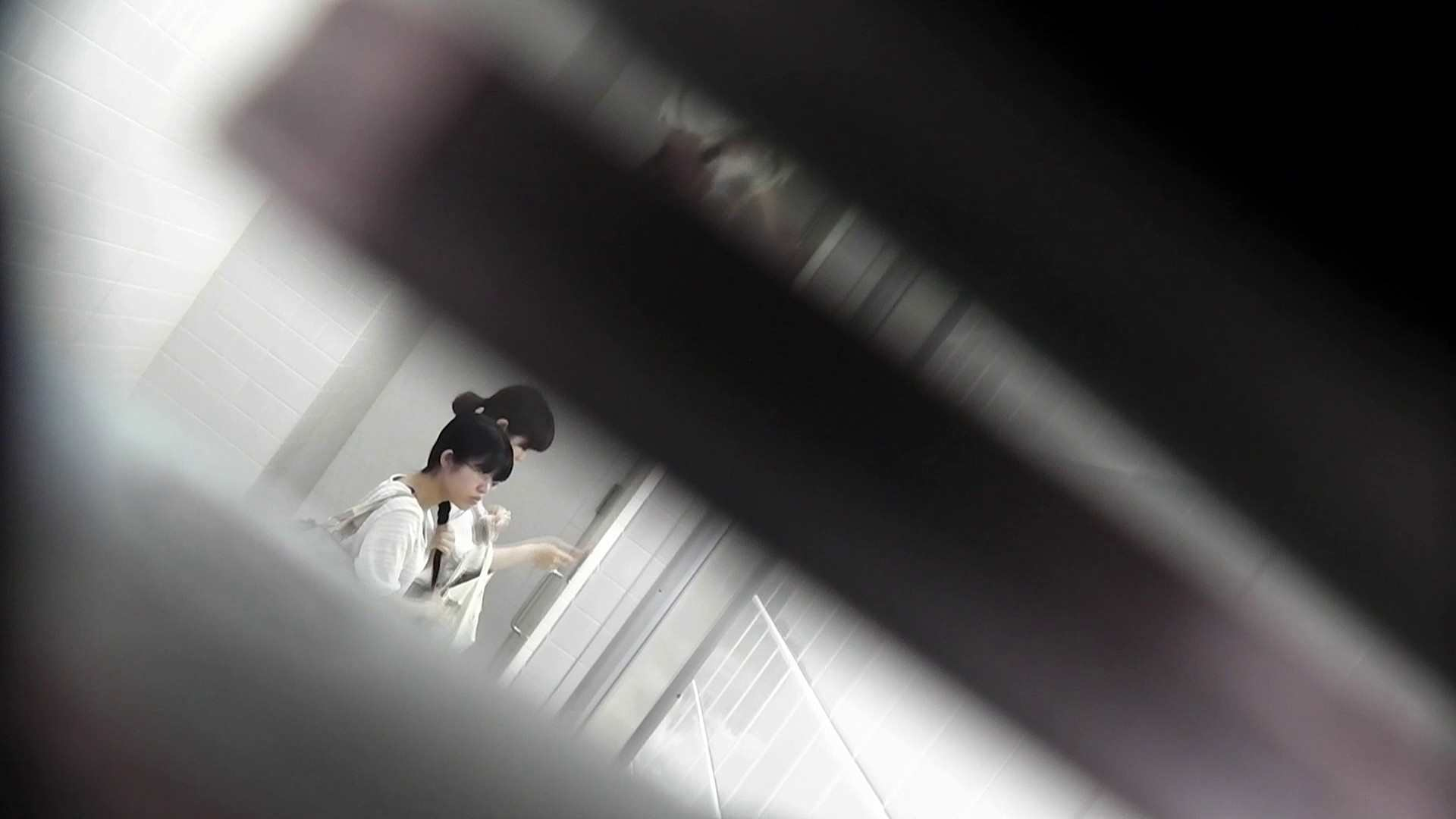 お銀 vol.72 あのかわいい子がついフロント撮り実演 洗面所 | 美人  23pic 1