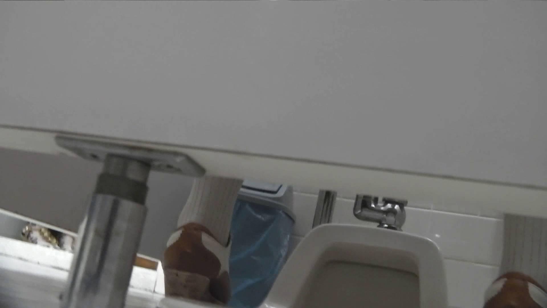お銀さんの「洗面所突入レポート!!」Nol.22 洗面所   美人  104pic 52