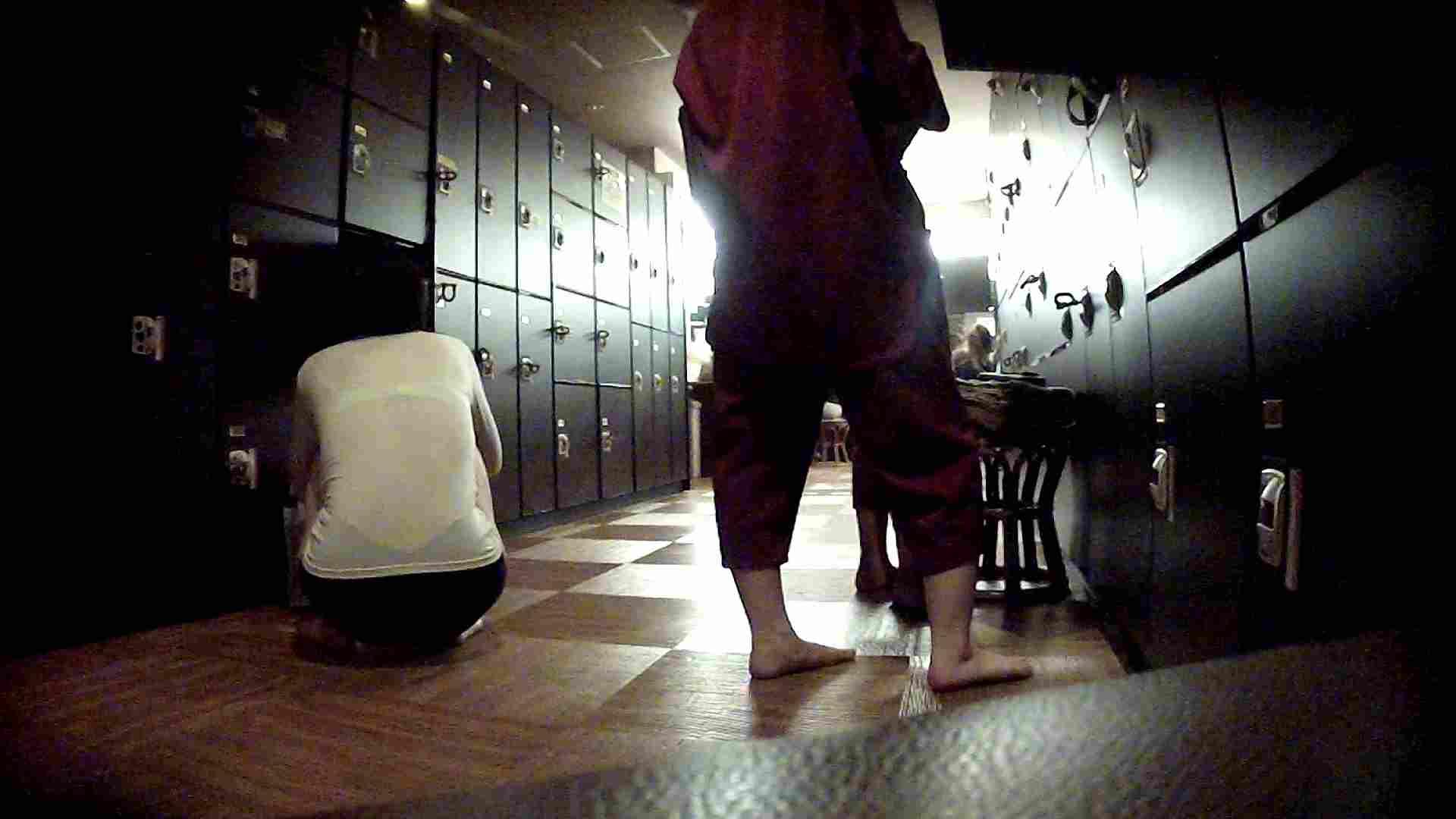 脱衣所!オムニバス 大混雑!注目はあの人の御御足でしょう。 銭湯  25pic 6
