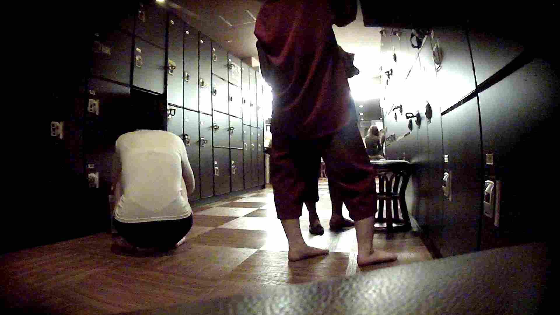 脱衣所!オムニバス 大混雑!注目はあの人の御御足でしょう。 銭湯   潜入  25pic 7
