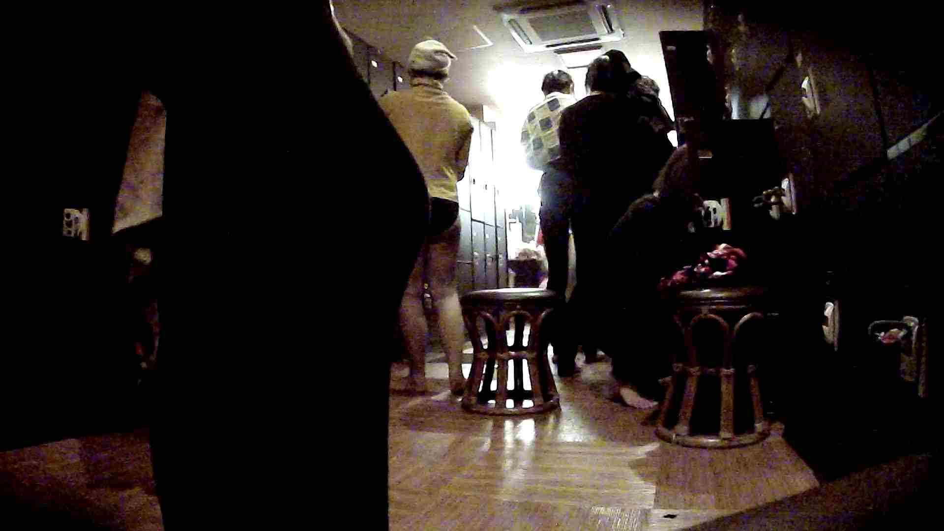 脱衣所!オムニバス 大混雑!注目はあの人の御御足でしょう。 銭湯  25pic 12