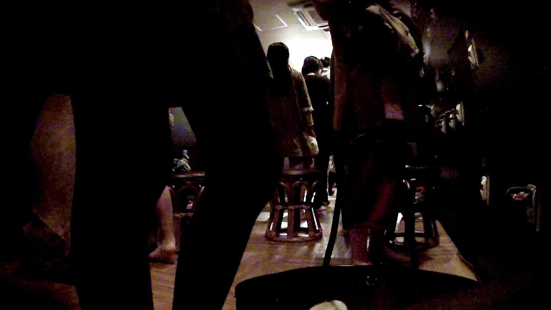 巨乳 乳首:脱衣所!オムニバス 大混雑!注目はあの人の御御足でしょう。:怪盗ジョーカー