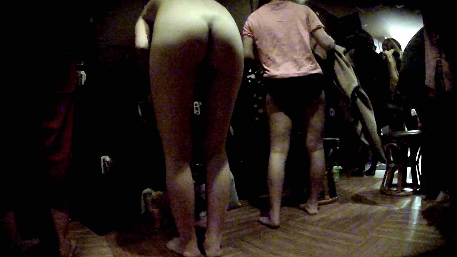 脱衣所!オムニバス 大混雑!注目はあの人の御御足でしょう。 銭湯  25pic 18