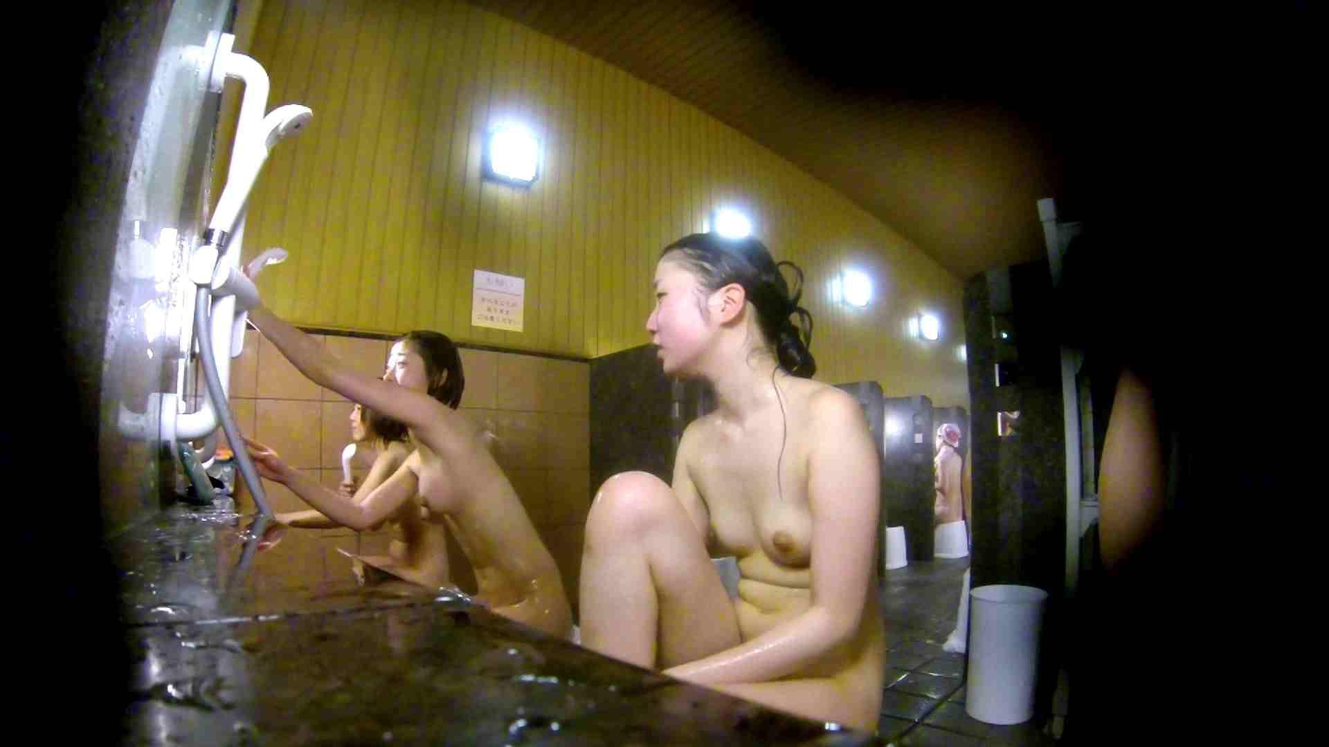 洗い場!奥の嬢をもっと近くでと思ってしまったけどイイ作品。 潜入  77pic 14