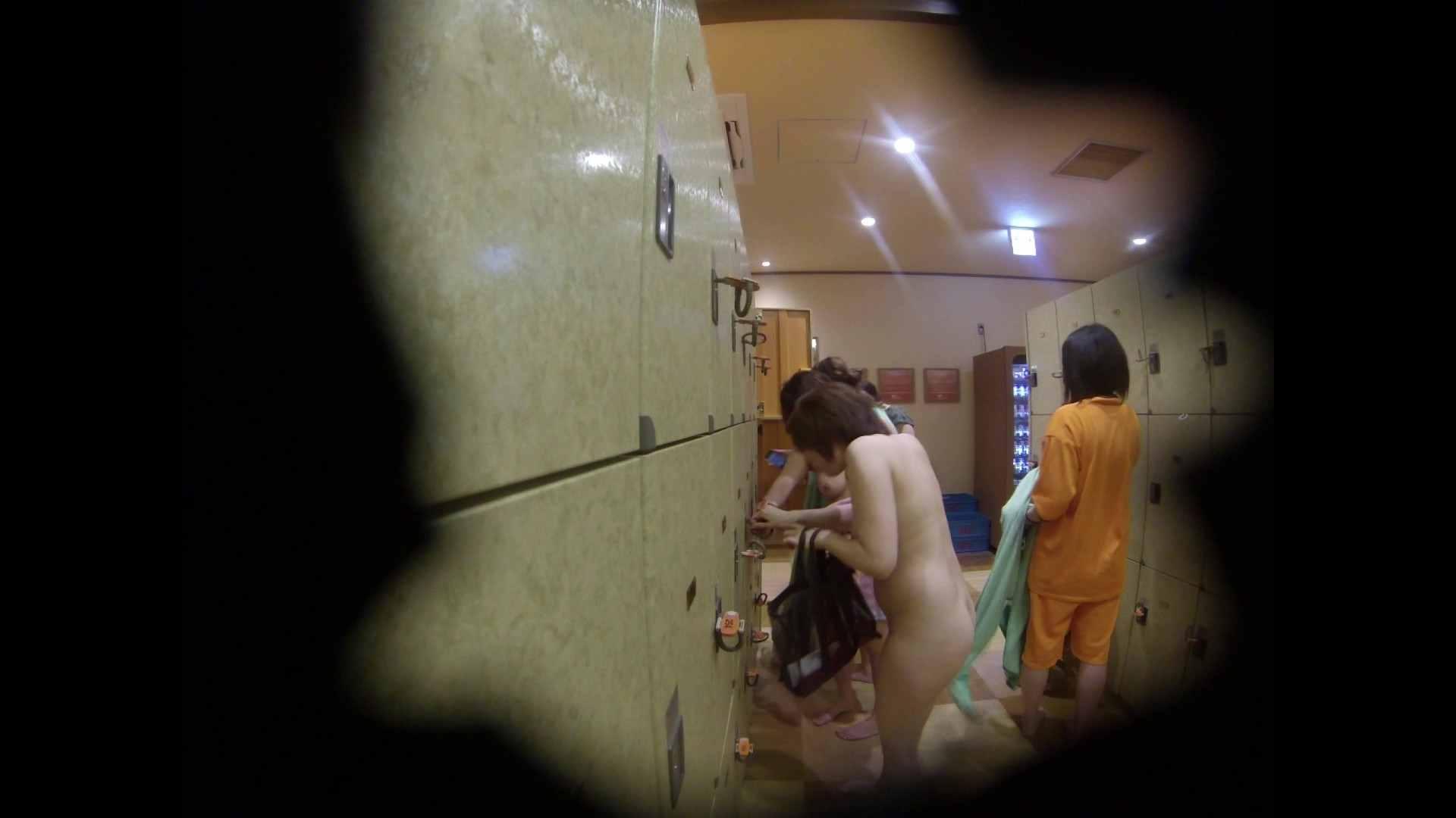 追い撮り!「下っ腹が出てる」という悩みを持つネエさん 潜入   銭湯  47pic 1