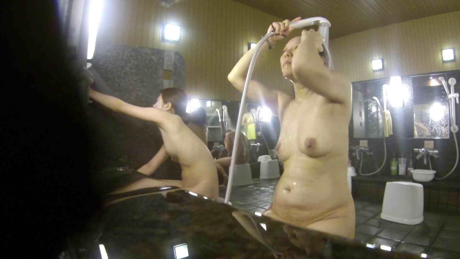 洗い場!崩れかけ?いや、崩れてます。。。 銭湯 | 潜入  17pic 3