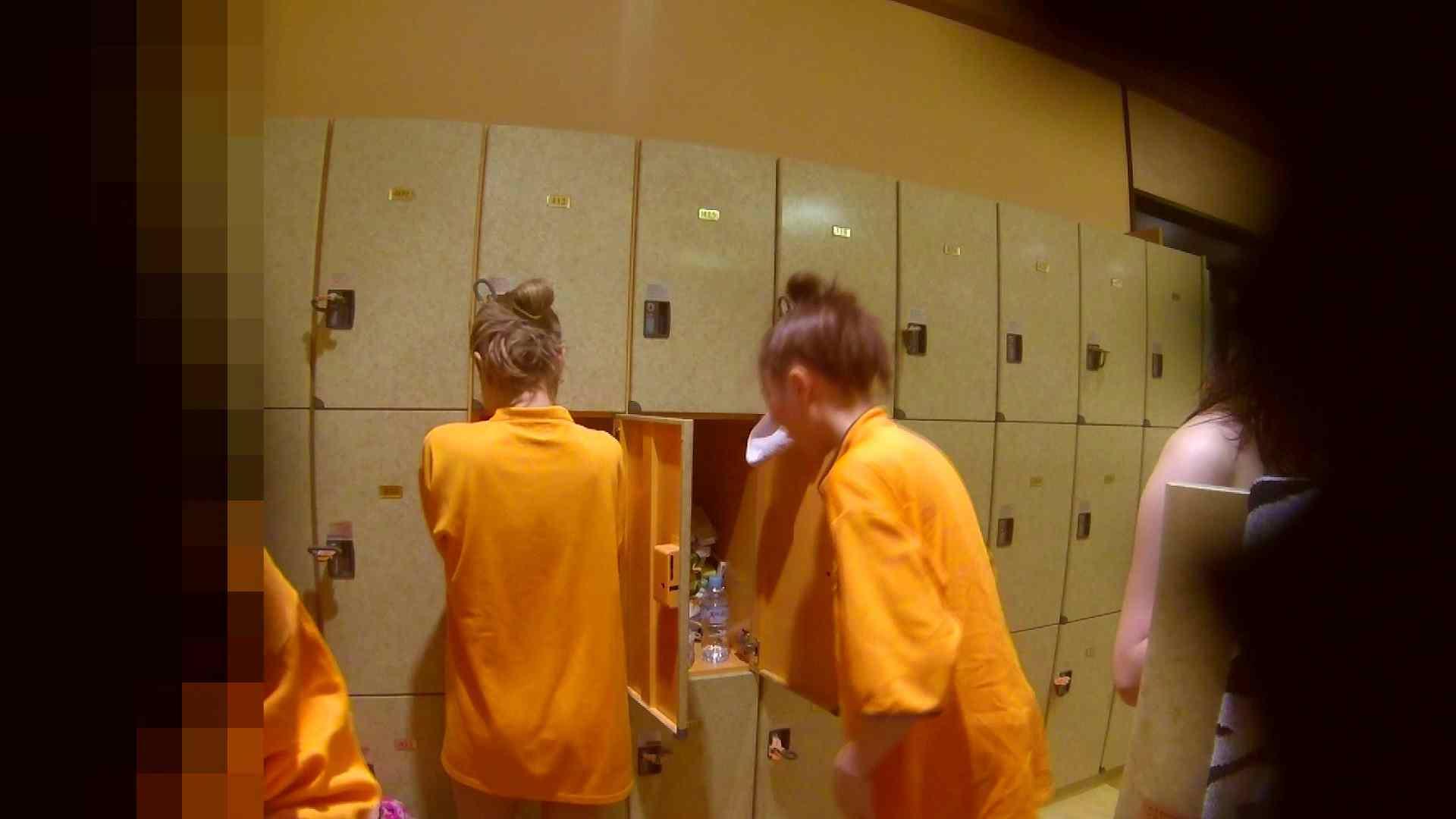 追い撮り!脱衣~洗い場、そして着替え、髪を乾かすまで完全追跡。 着替え   潜入  87pic 5