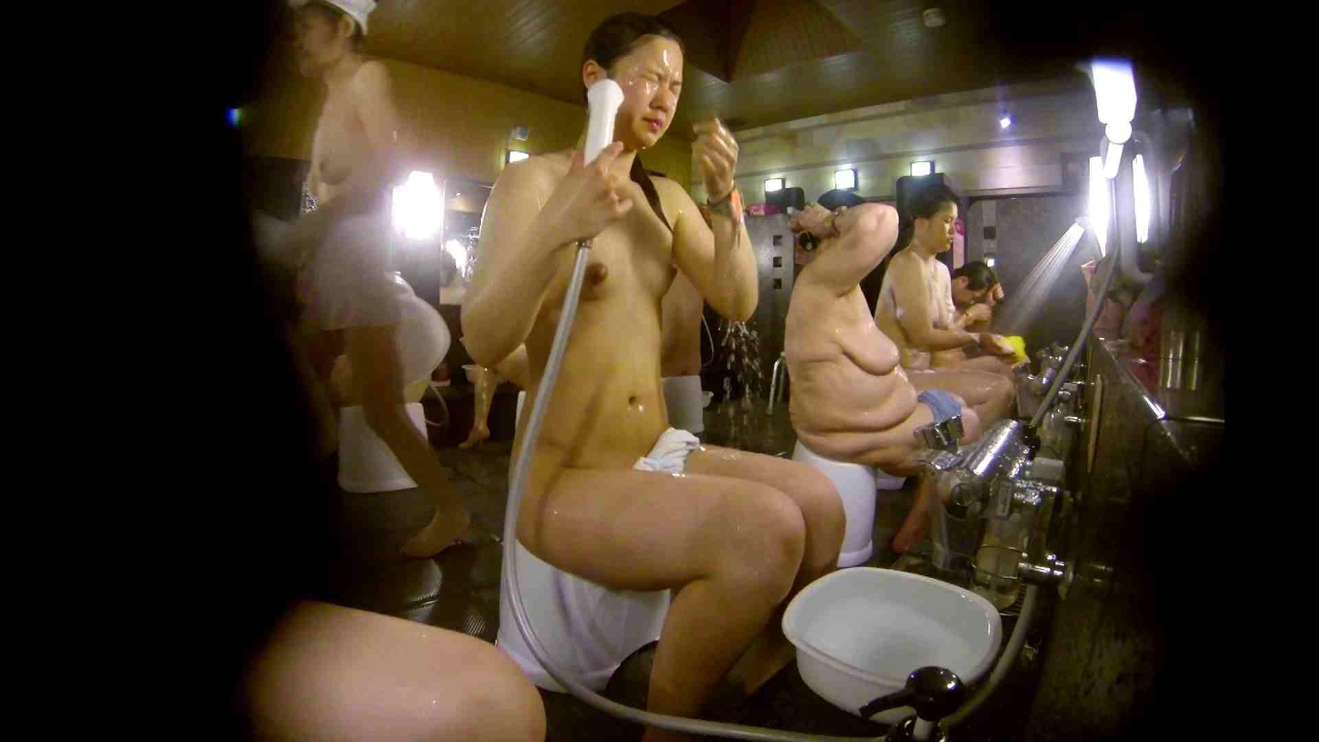 巨乳 乳首:追い撮り!脱衣~洗い場、徹底追跡!撮り師さんに拍手!!:怪盗ジョーカー