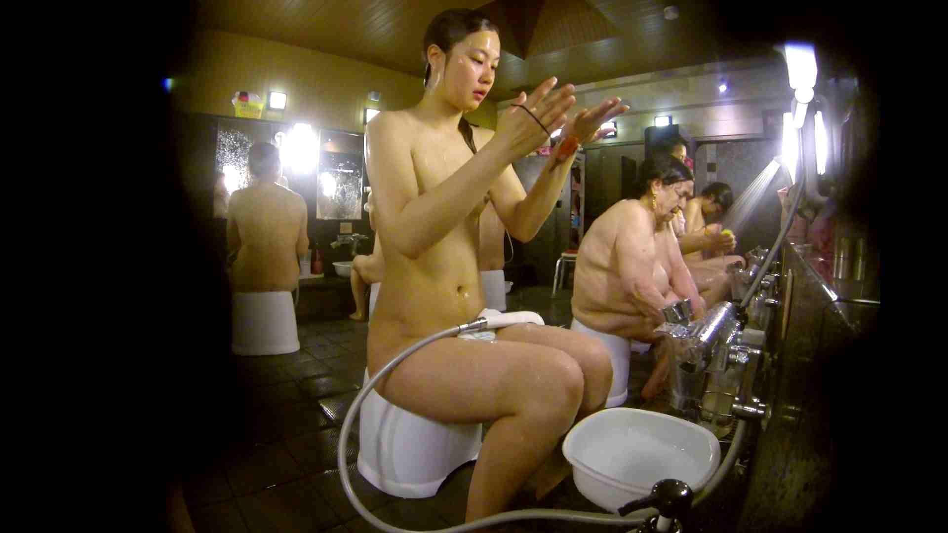 追い撮り!脱衣~洗い場、徹底追跡!撮り師さんに拍手!! 銭湯 覗きぱこり動画紹介 20pic 8