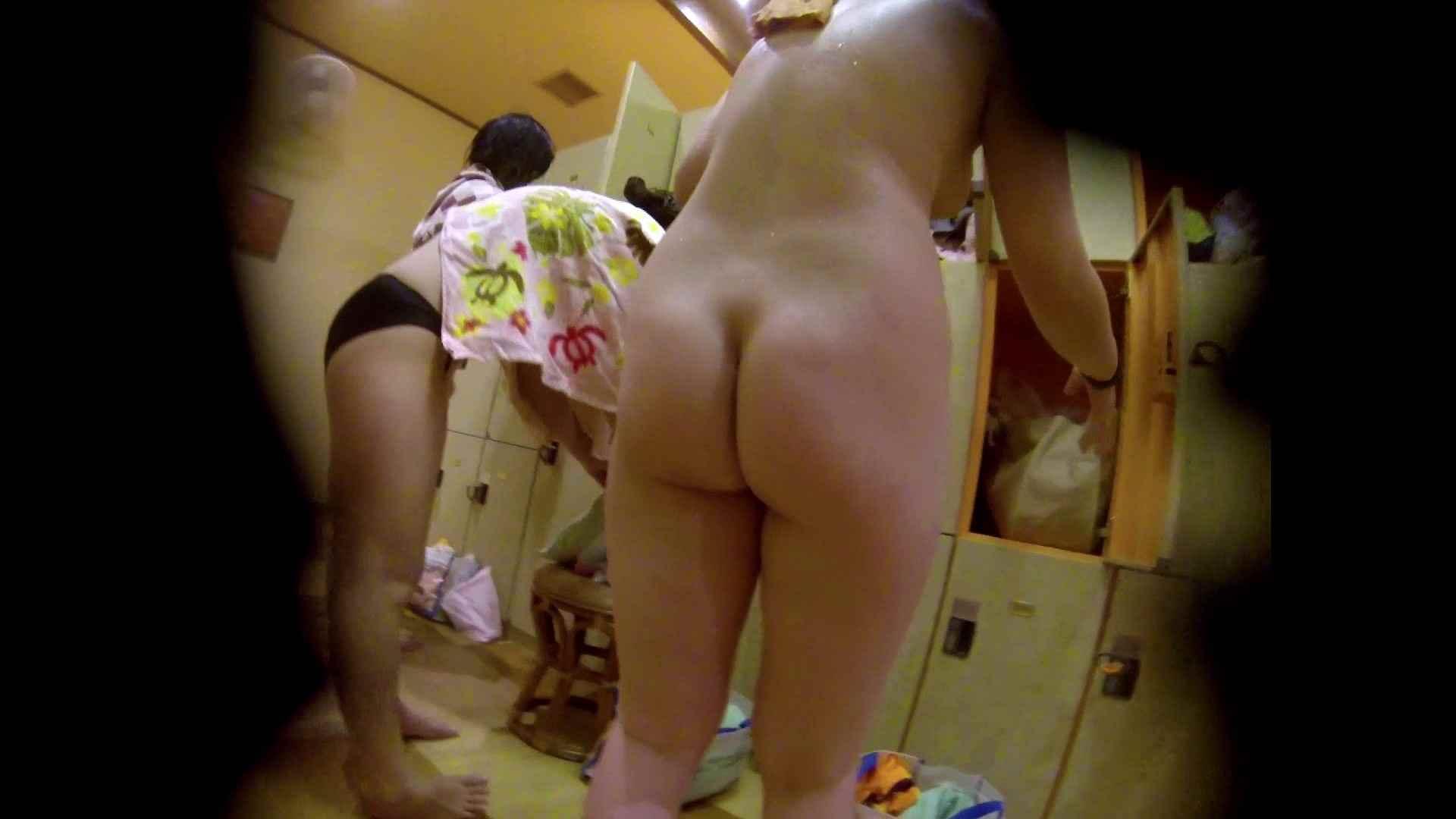 追い撮り!脱衣~洗い場、徹底追跡!撮り師さんに拍手!! 潜入 | 追跡  20pic 13