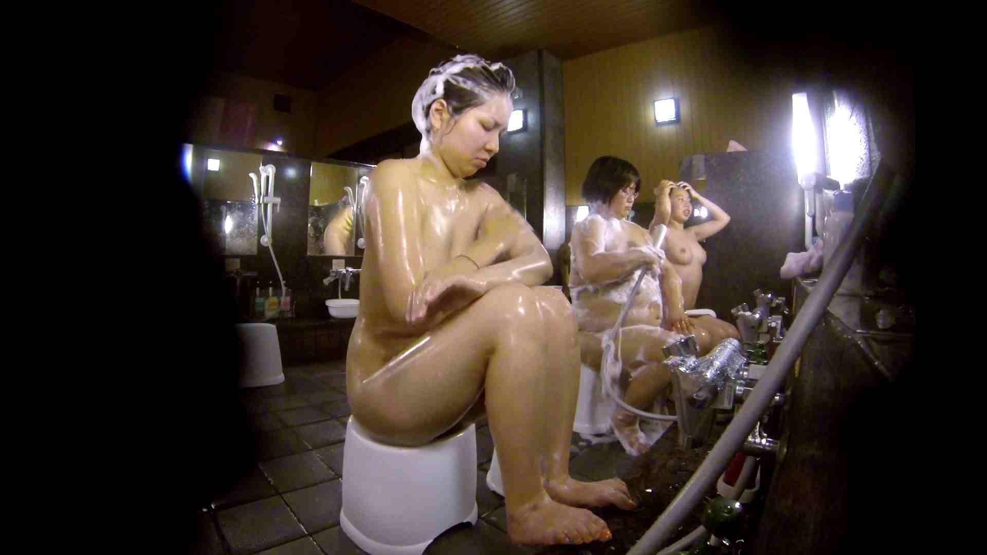 洗い場!色白でなかなかの美巨乳。柔らかく揺れまくりです 銭湯 盗み撮りオマンコ動画キャプチャ 92pic 5