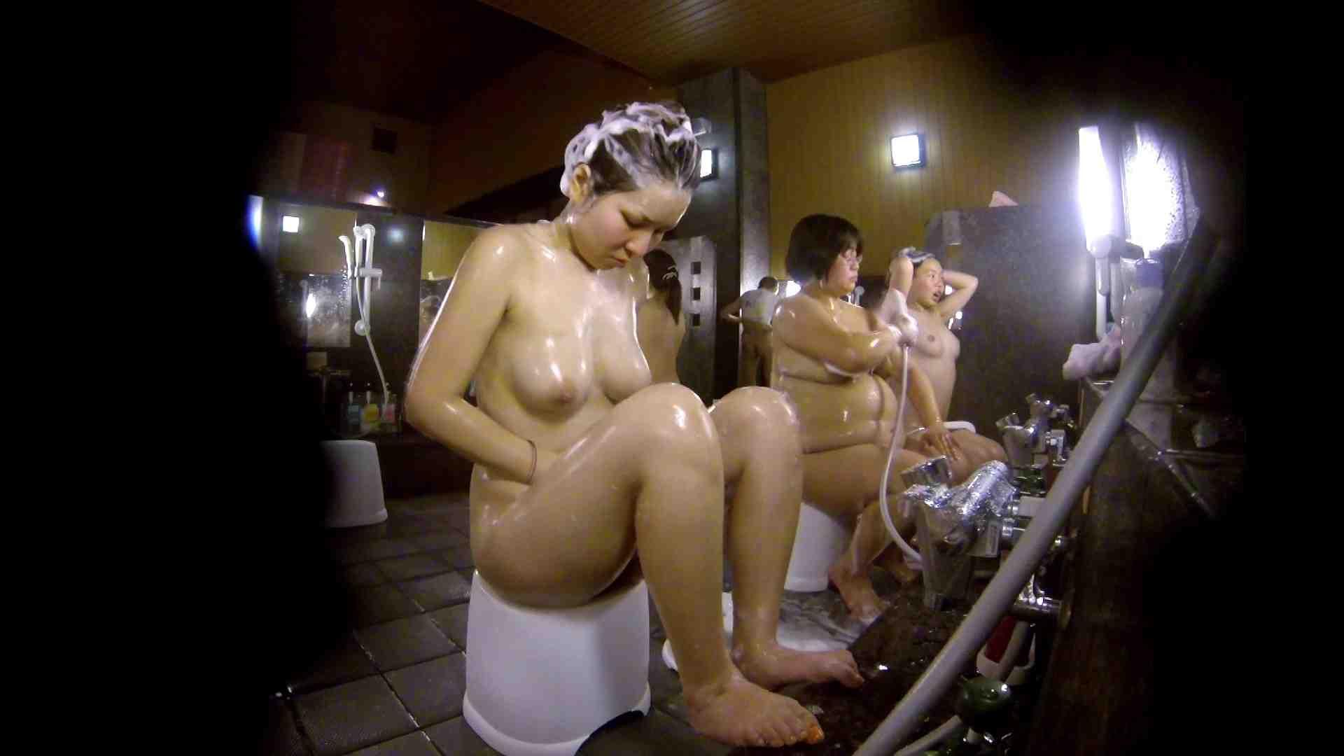 洗い場!色白でなかなかの美巨乳。柔らかく揺れまくりです 銭湯 盗み撮りオマンコ動画キャプチャ 92pic 23