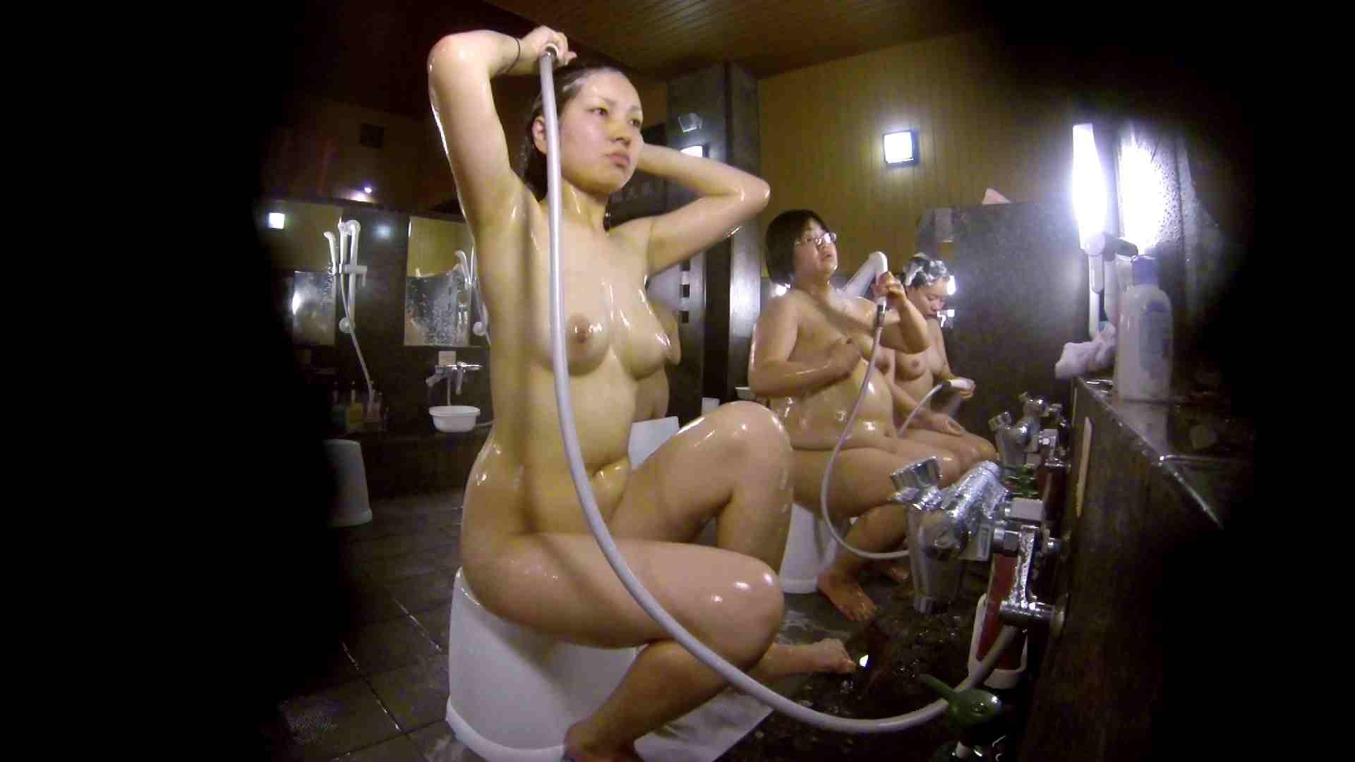 洗い場!色白でなかなかの美巨乳。柔らかく揺れまくりです 銭湯 盗み撮りオマンコ動画キャプチャ 92pic 29
