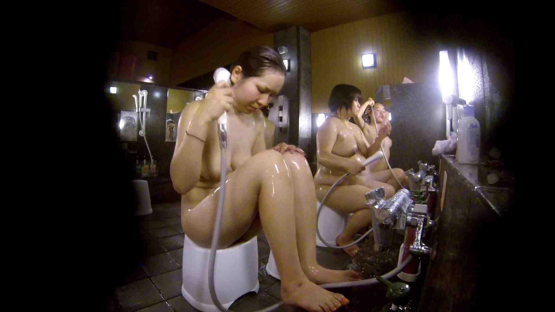 洗い場!色白でなかなかの美巨乳。柔らかく揺れまくりです 銭湯 盗み撮りオマンコ動画キャプチャ 92pic 44