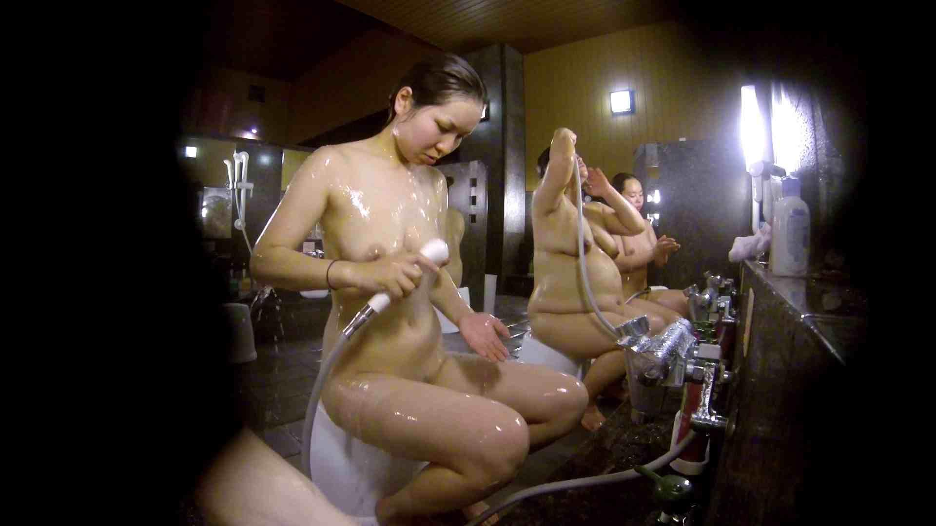 洗い場!色白でなかなかの美巨乳。柔らかく揺れまくりです 銭湯 盗み撮りオマンコ動画キャプチャ 92pic 47