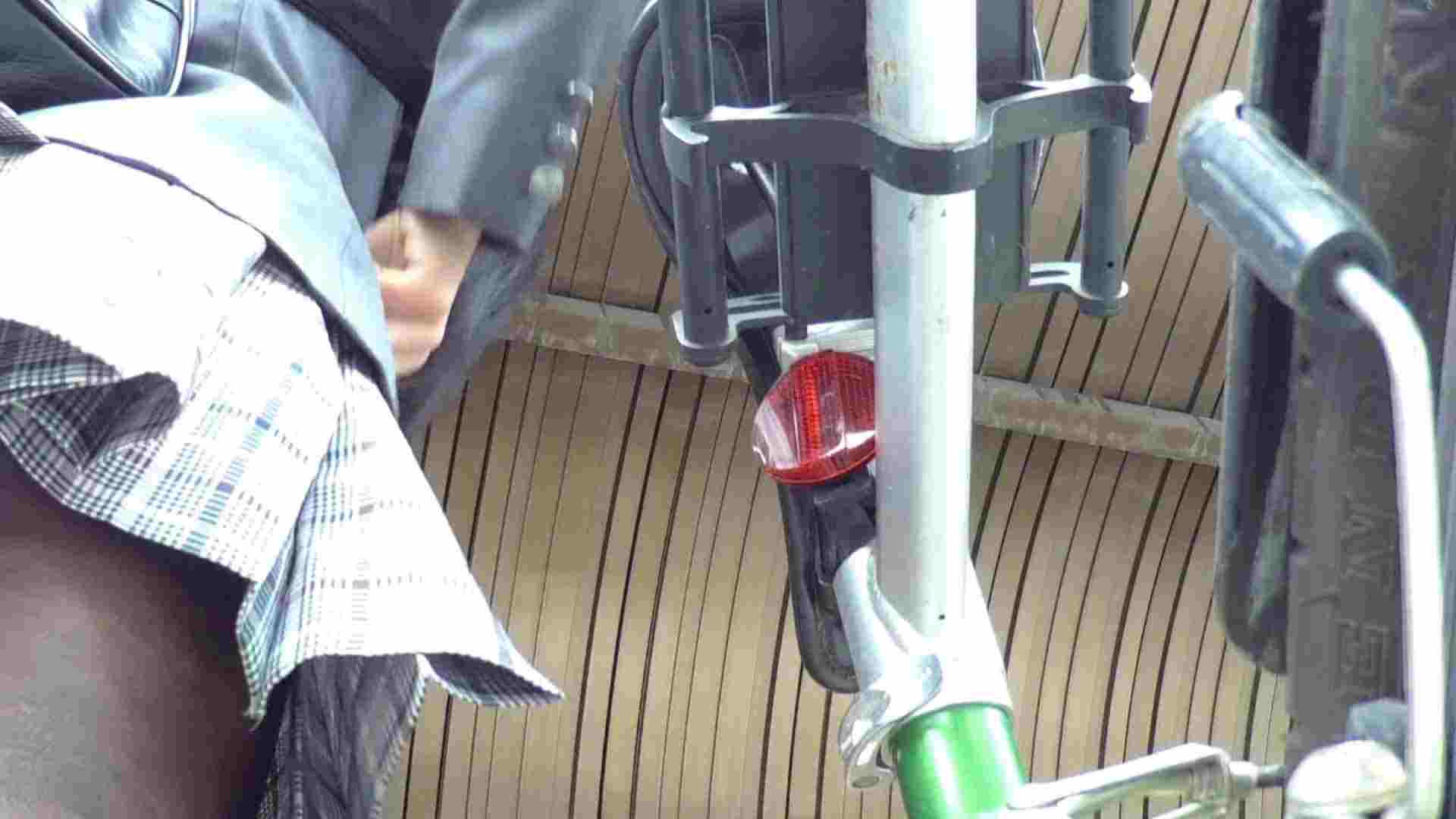 自転車パンチラ Vol.02 OLの実態 盗撮われめAV動画紹介 102pic 2