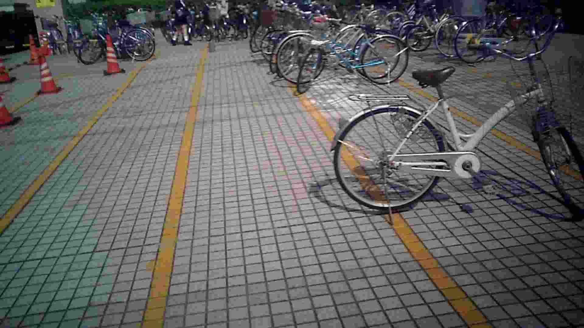 自転車パンチラ Vol.04 追跡   OLの実態  76pic 1