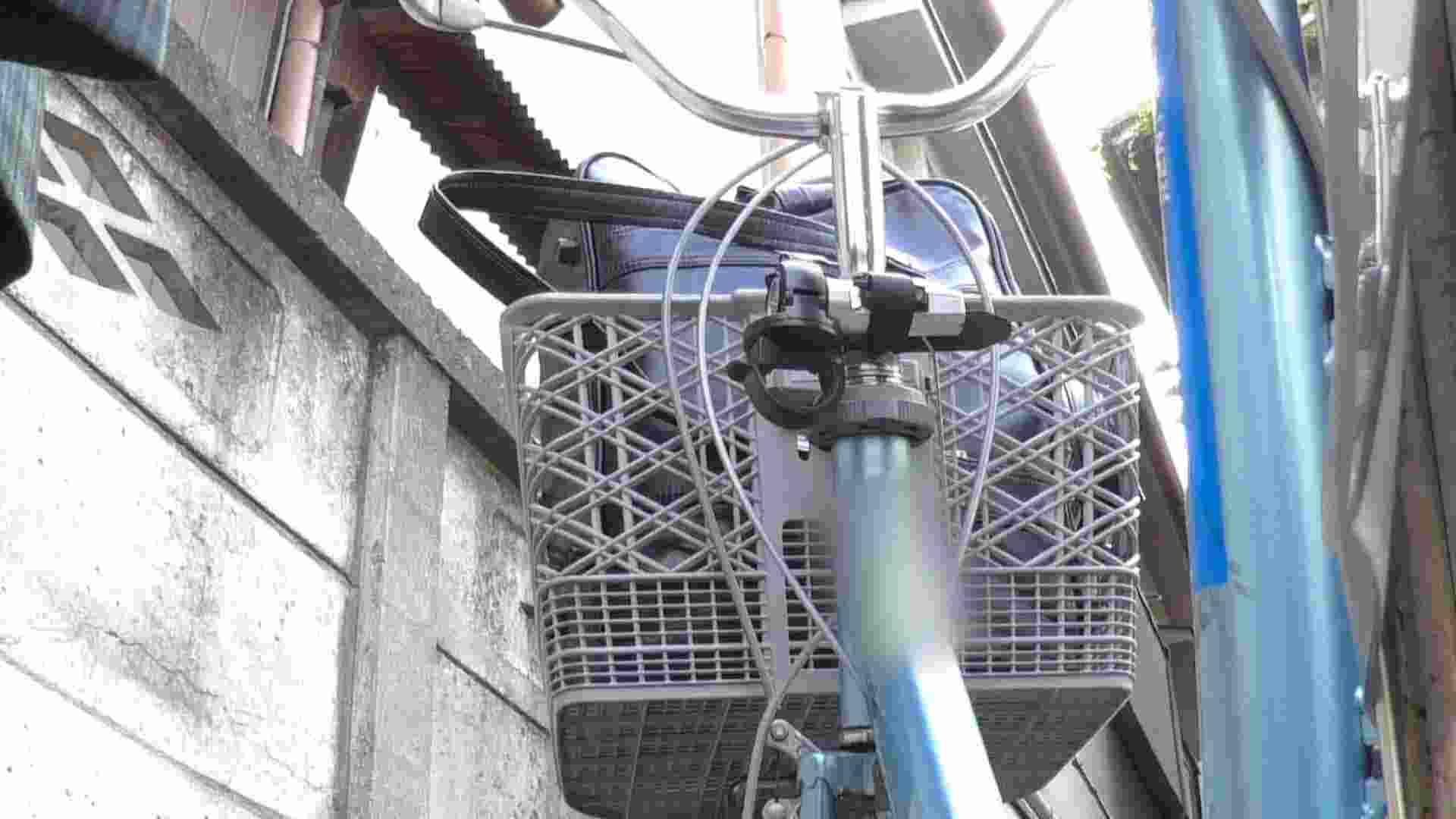 自転車パンチラ Vol.04 追跡   OLの実態  76pic 67