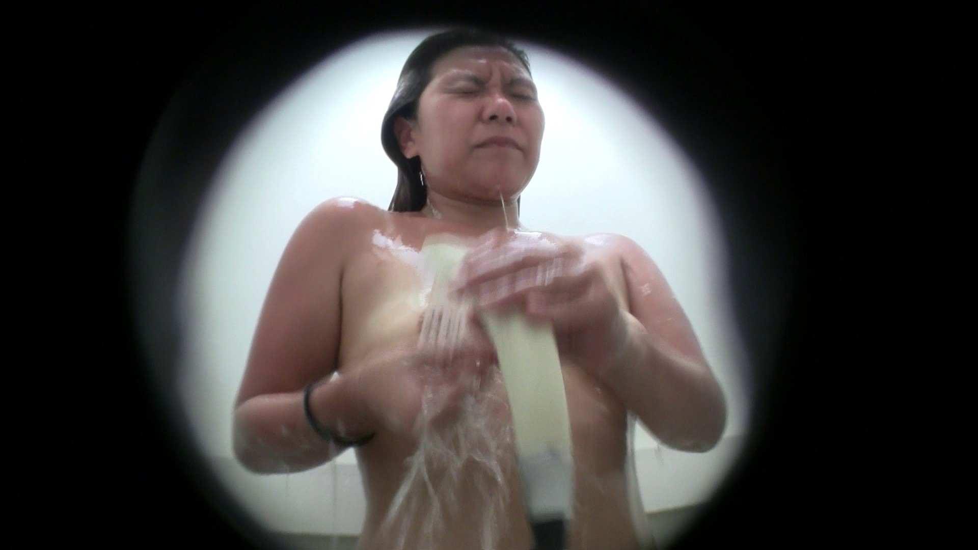 NO.21 良く見ると結構いってます シャワー室 | 覗き  92pic 82