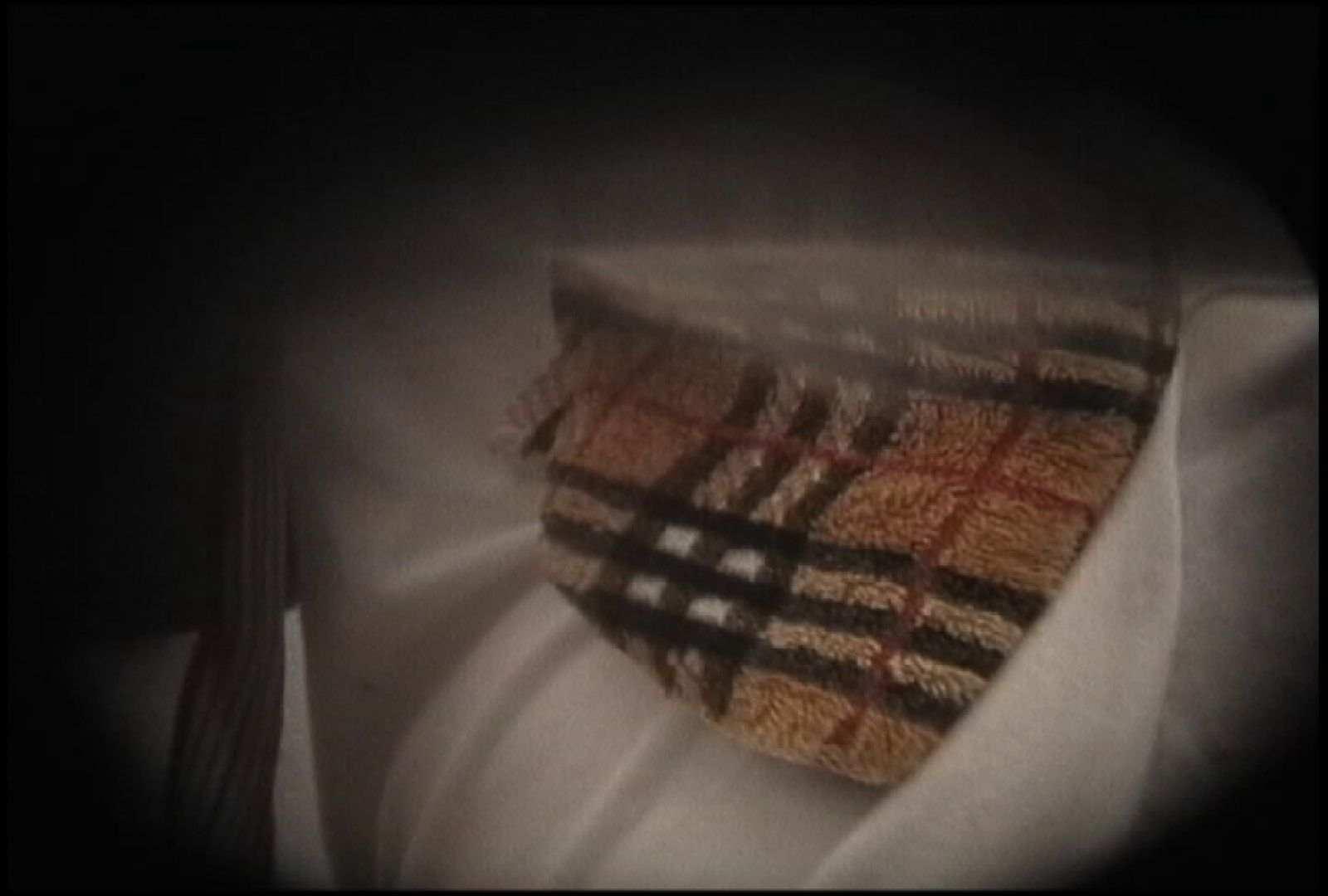 No.131 柔らかいおっぱいをブラに収める仕草 おっぱい特集 濡れ場動画紹介 90pic 30