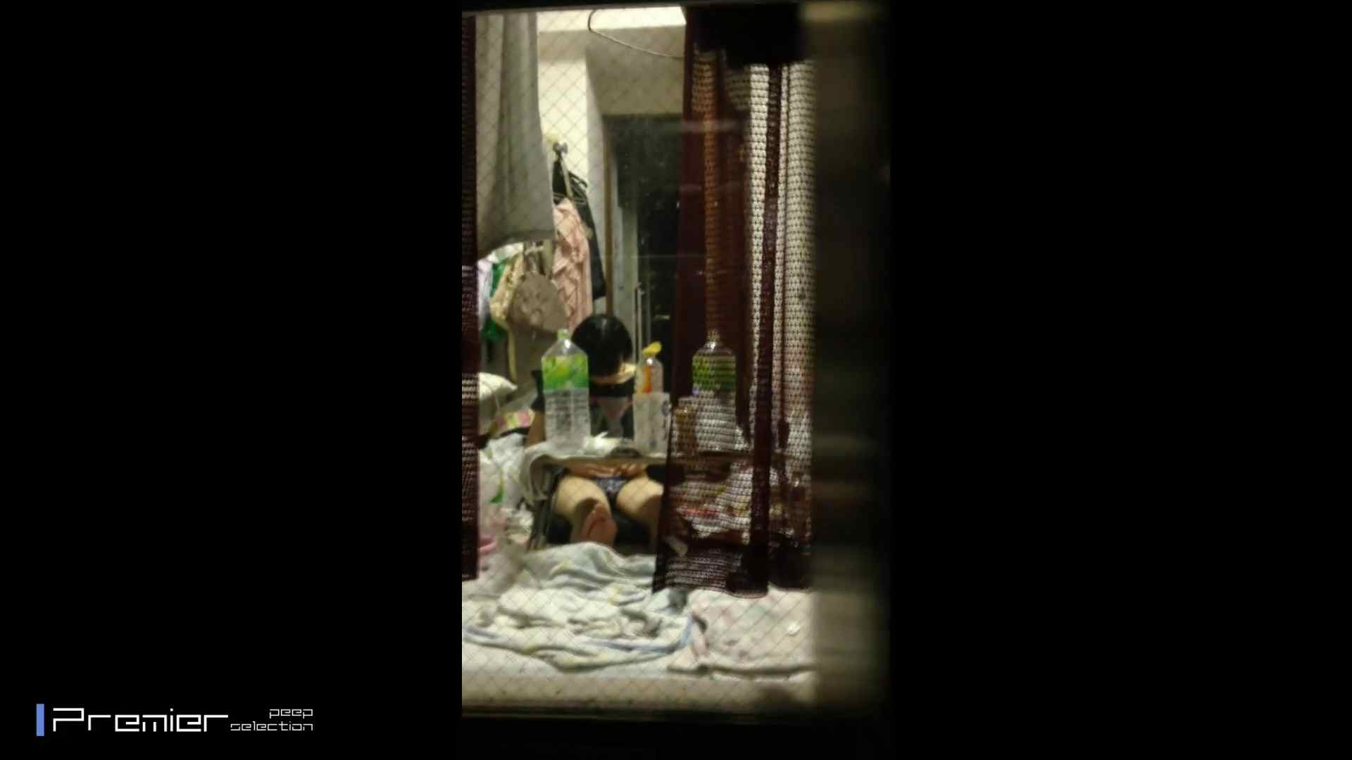 美女達の私生活に潜入!可愛い女子大生のプライベートに潜入 高画質 盗撮動画紹介 105pic 77