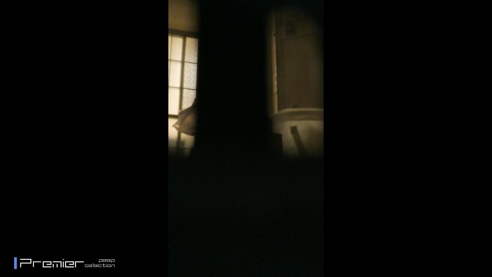 美女達の私生活に潜入!一人暮らし女子大生が見せる入浴前の恥ずかしい姿 高画質 盗撮ヌード画像 23pic 8