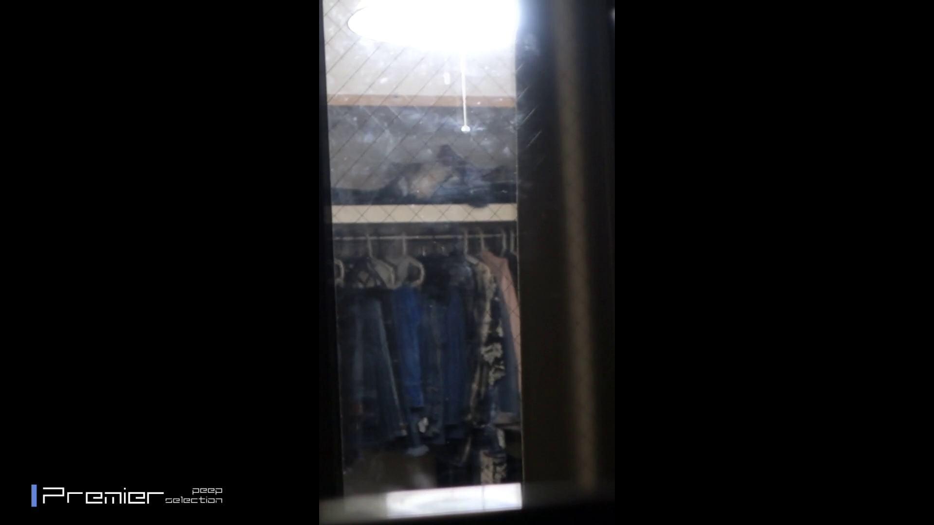 美人 OL のおっぱいとセクシーランジェリー  美女達の私生活に潜入! 潜入 のぞき動画画像 47pic 40