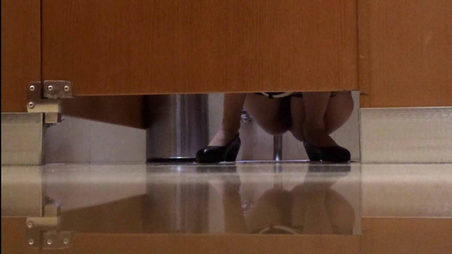 隣国化粧室下から御免!! No.04 洗面所   美女  23pic 1