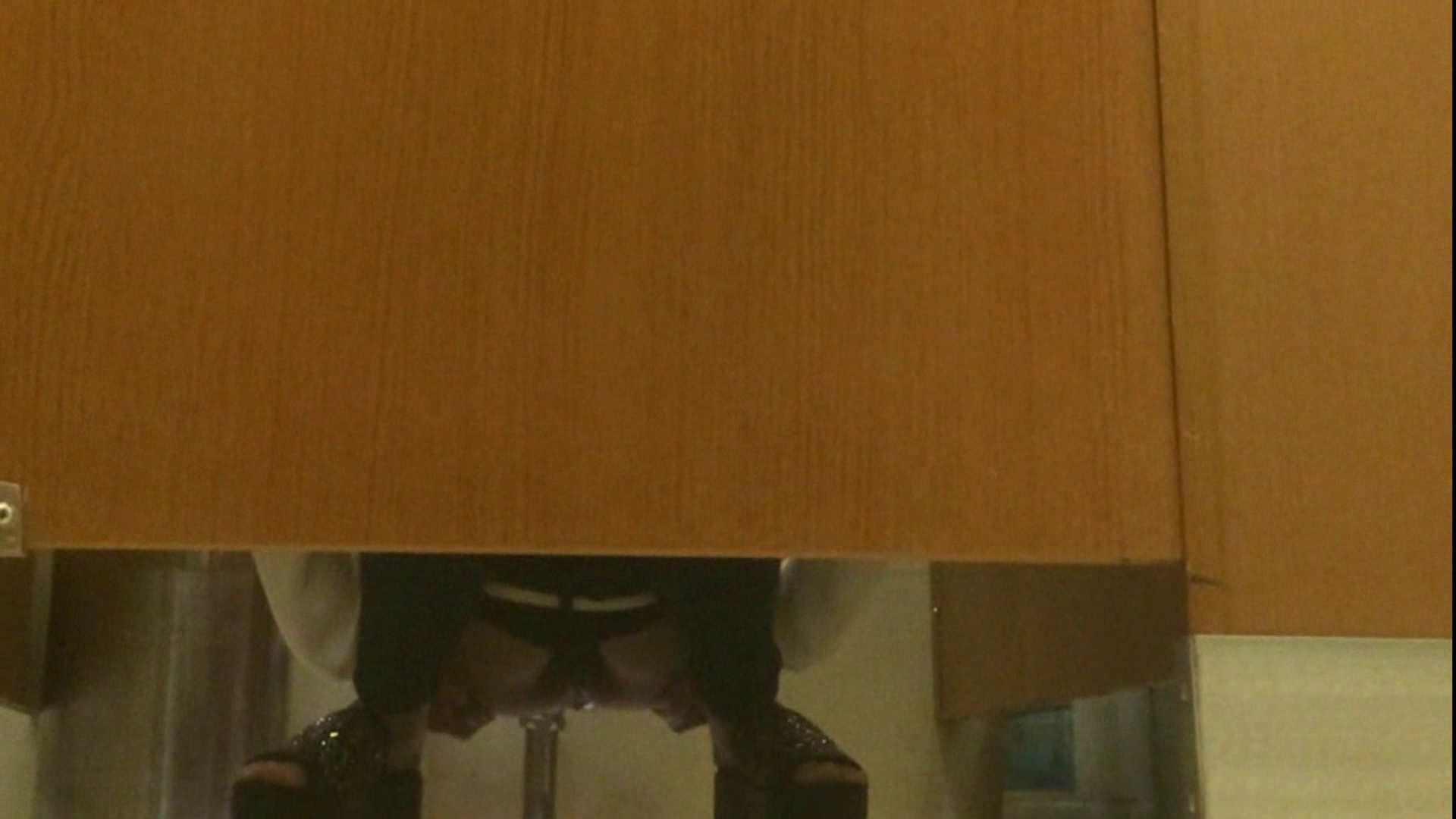 隣国化粧室下から御免!! No.14 洗面所   美女  72pic 5