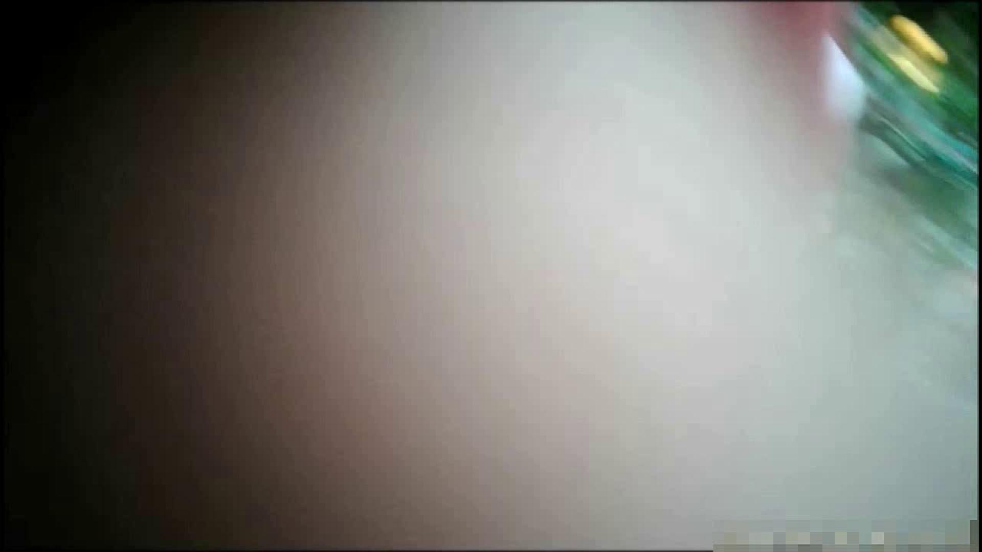 NO.1 普段から胸元がゆるい友達【某ファッションビル内の雑貨屋】 友人   胸チラ  102pic 58