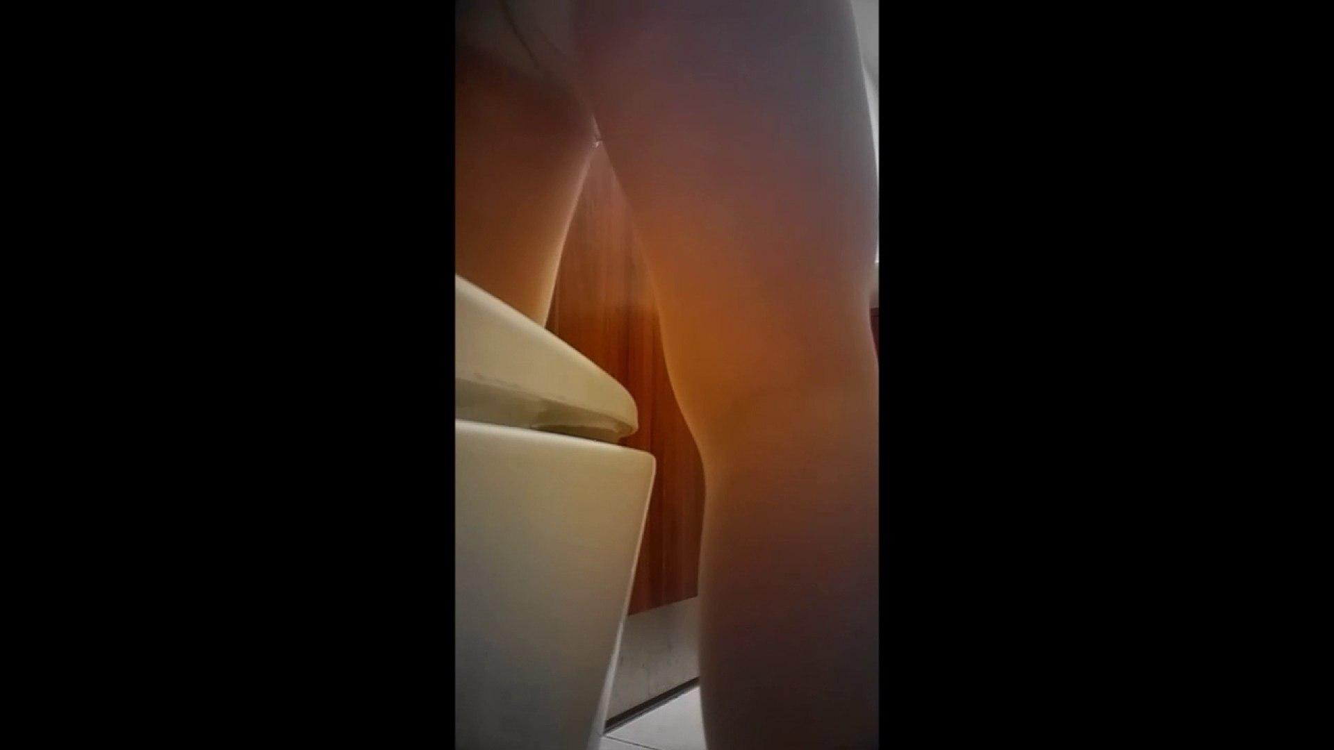 巨乳 乳首:高画質トイレ盗撮vol.03:のぞき本舗 中村屋