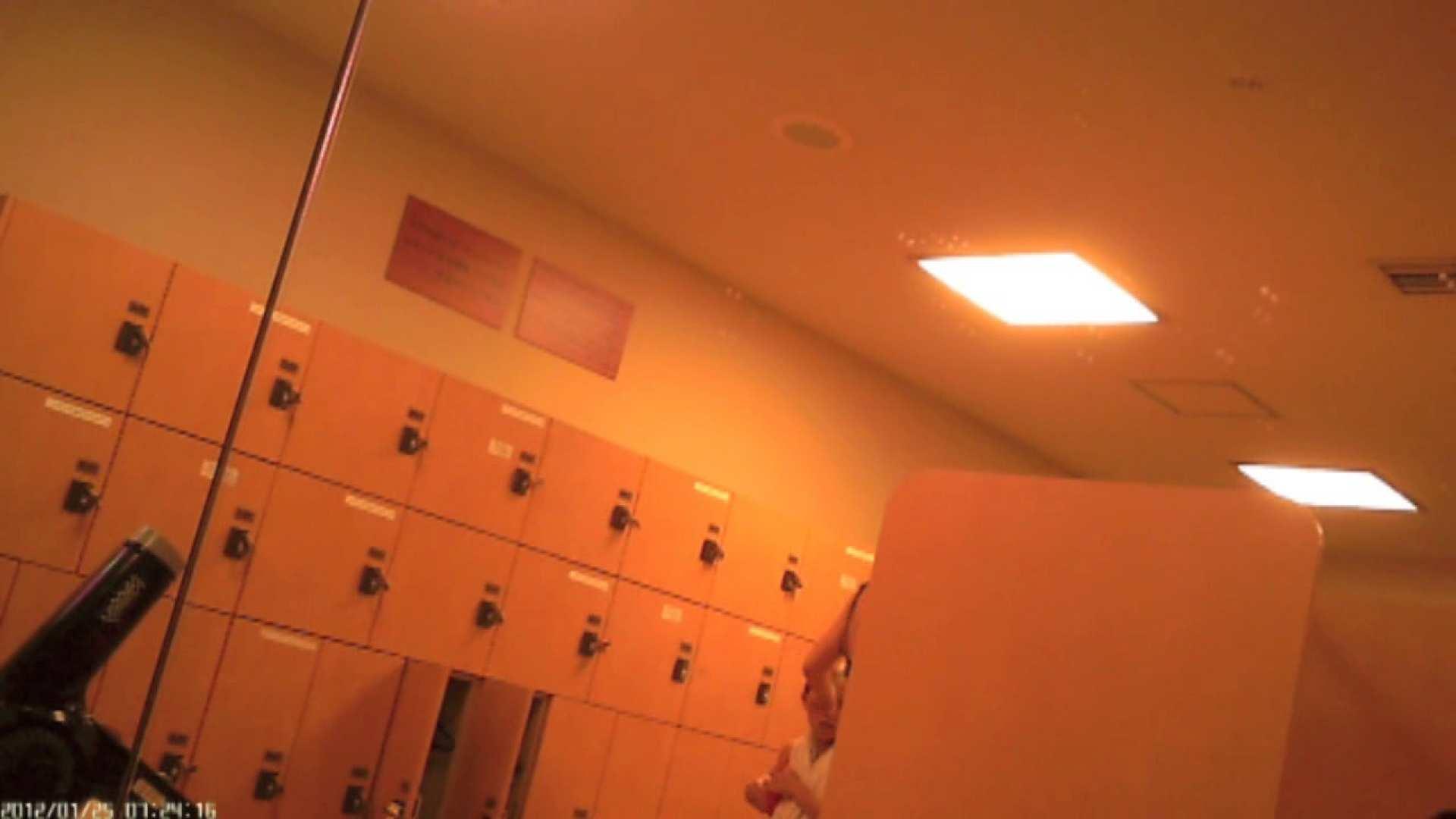 巨乳 乳首:現役ギャル盗撮師 hana様の女風呂潜入撮!Vol.3:のぞき本舗 中村屋