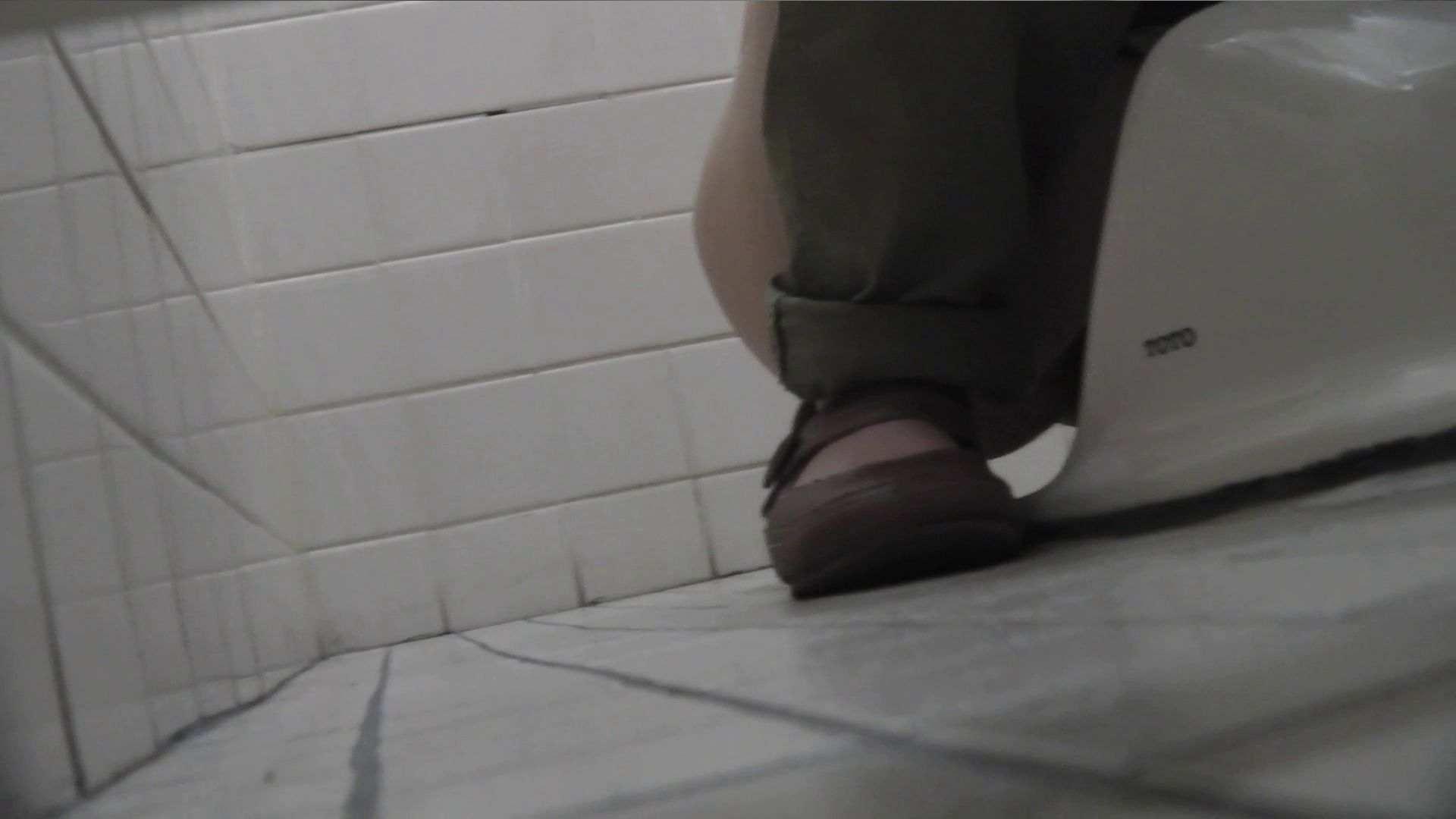 vol.09 命がけ潜伏洗面所! 残念!パンツについちゃいました。 プライベート 盗撮エロ画像 91pic 49