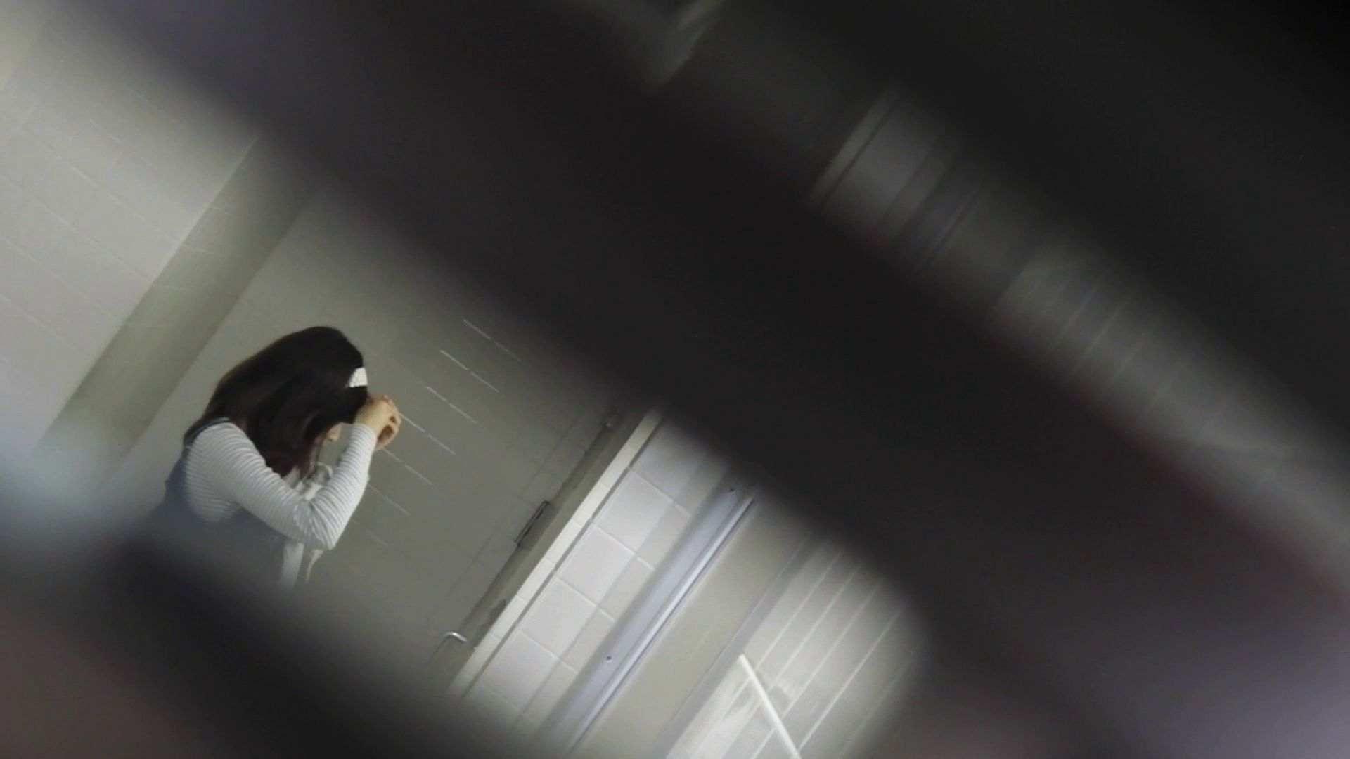 vol.11 命がけ潜伏洗面所! 多い日は大変です。 洗面所   OLの実態  98pic 5